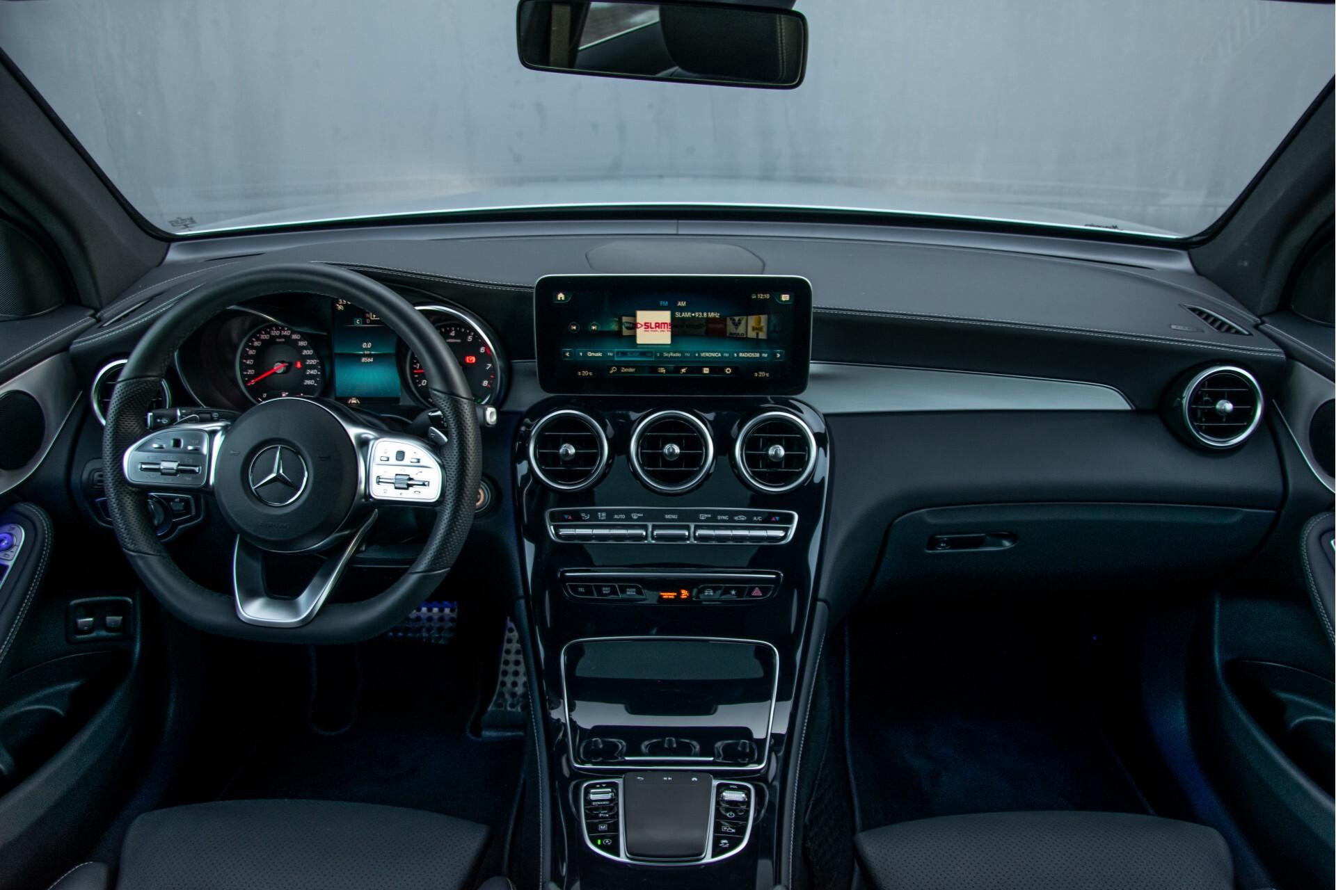 Mercedes-Benz GLC 300 4-M AMG Panorama/Keyless/Assistentiepakket/MBUX//Wegkl-trekhaak Aut9 Foto 8