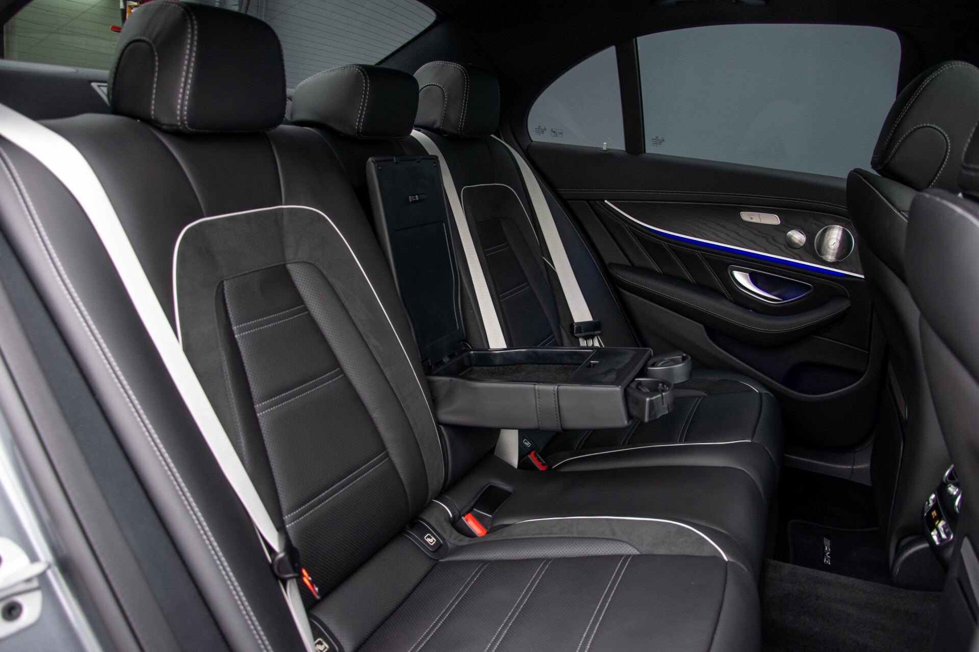 Mercedes-Benz E-Klasse 63 S AMG 4M+ NIEUW MODEL Night/Massage/Rij-assist/Keyless/Hud Aut9 Foto 4
