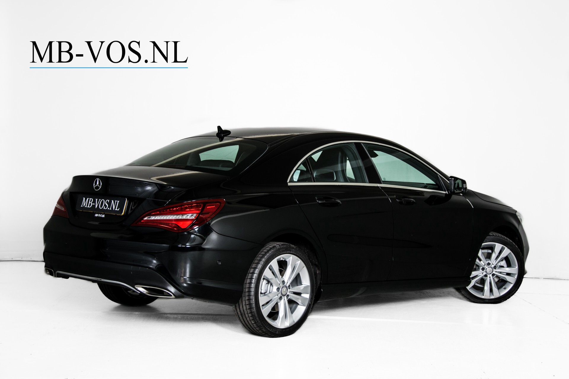 Mercedes-Benz CLA-Klasse 180 Urban Mediadisplay/Stoelverwarming/LED Aut7 Foto 2