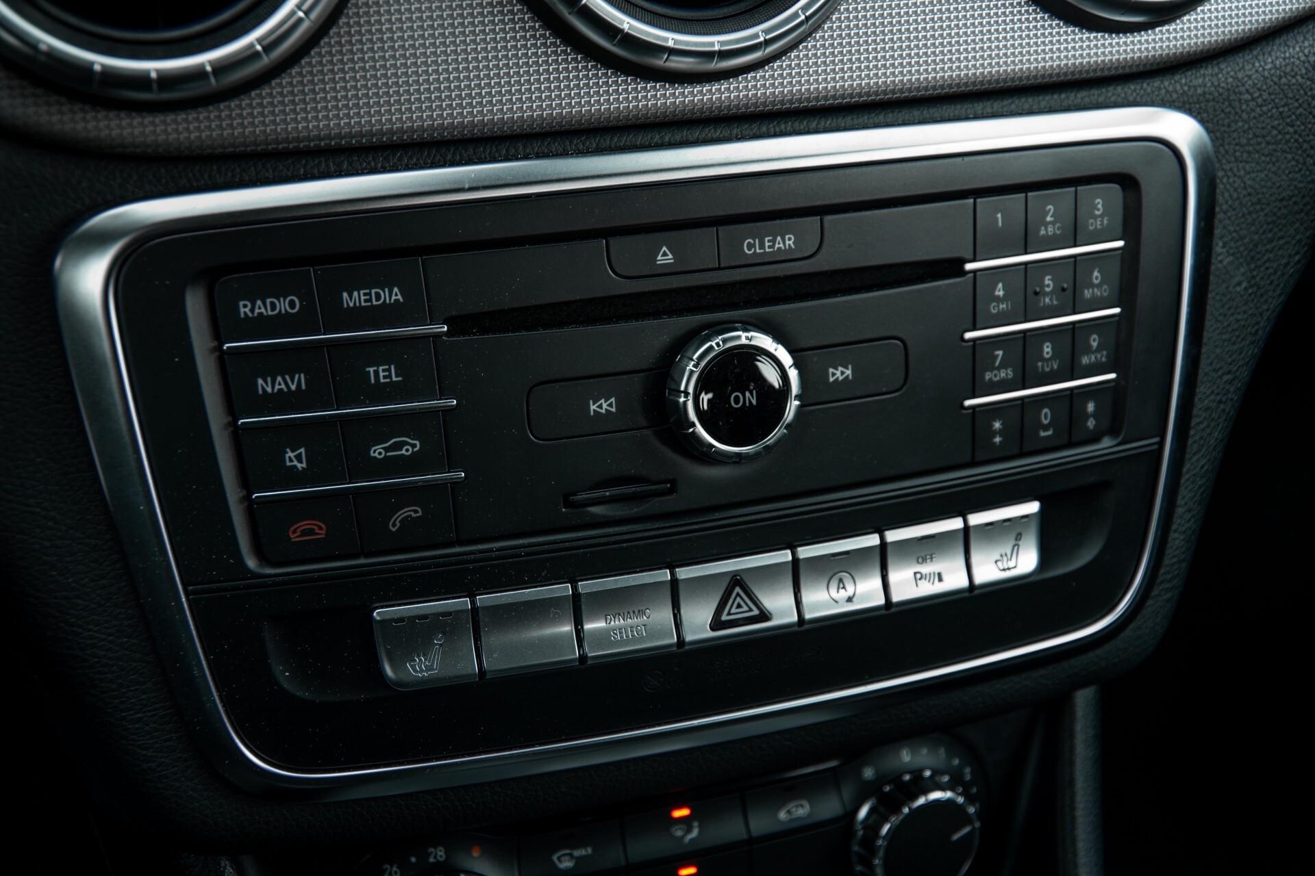 Mercedes-Benz CLA-Klasse 180 Urban Mediadisplay/Stoelverwarming/LED Aut7 Foto 22