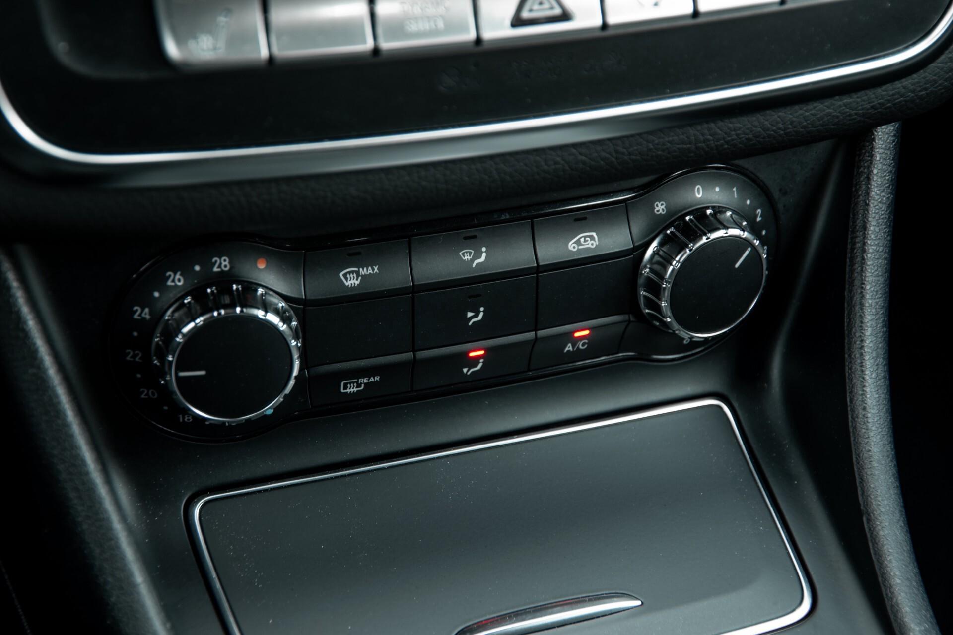 Mercedes-Benz CLA-Klasse 180 Urban Mediadisplay/Stoelverwarming/LED Aut7 Foto 24