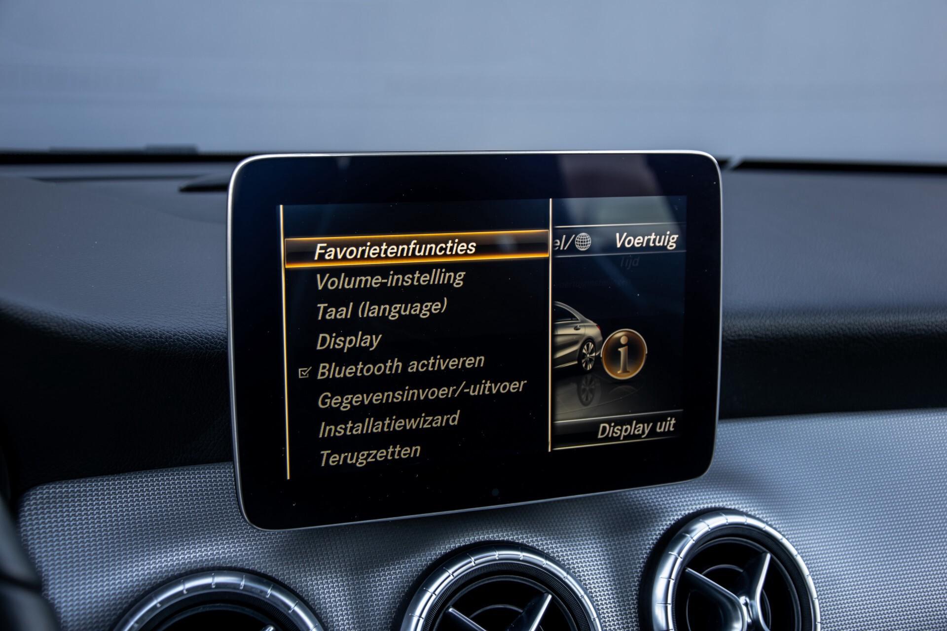 Mercedes-Benz CLA-Klasse 180 Urban Mediadisplay/Stoelverwarming/LED Aut7 Foto 27