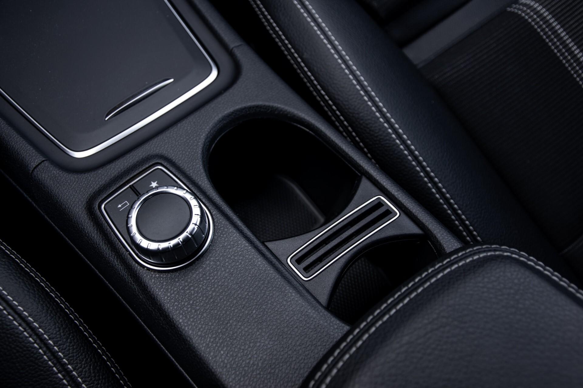 Mercedes-Benz CLA-Klasse 180 Urban Mediadisplay/Stoelverwarming/LED Aut7 Foto 31