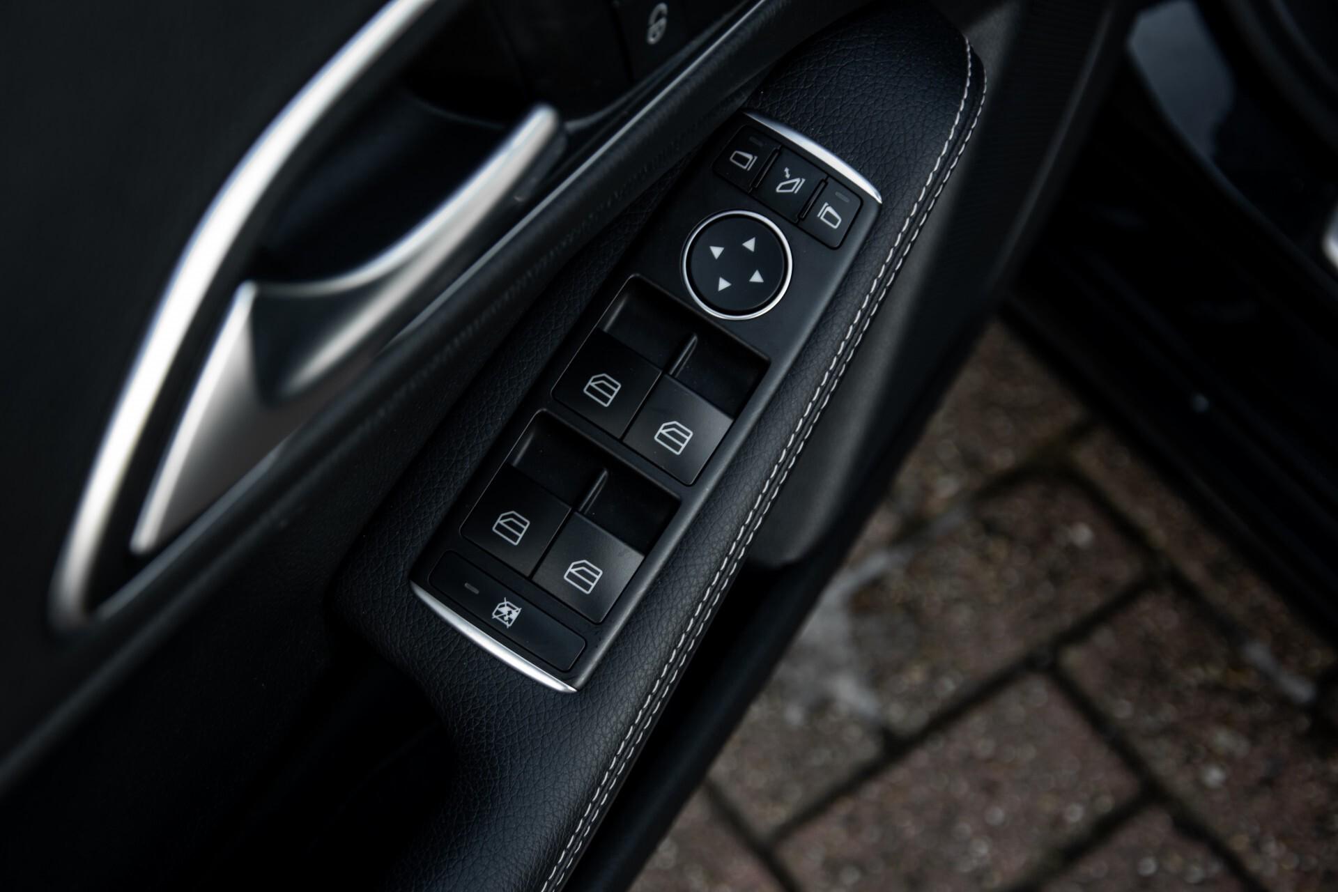 Mercedes-Benz CLA-Klasse 180 Urban Mediadisplay/Stoelverwarming/LED Aut7 Foto 34