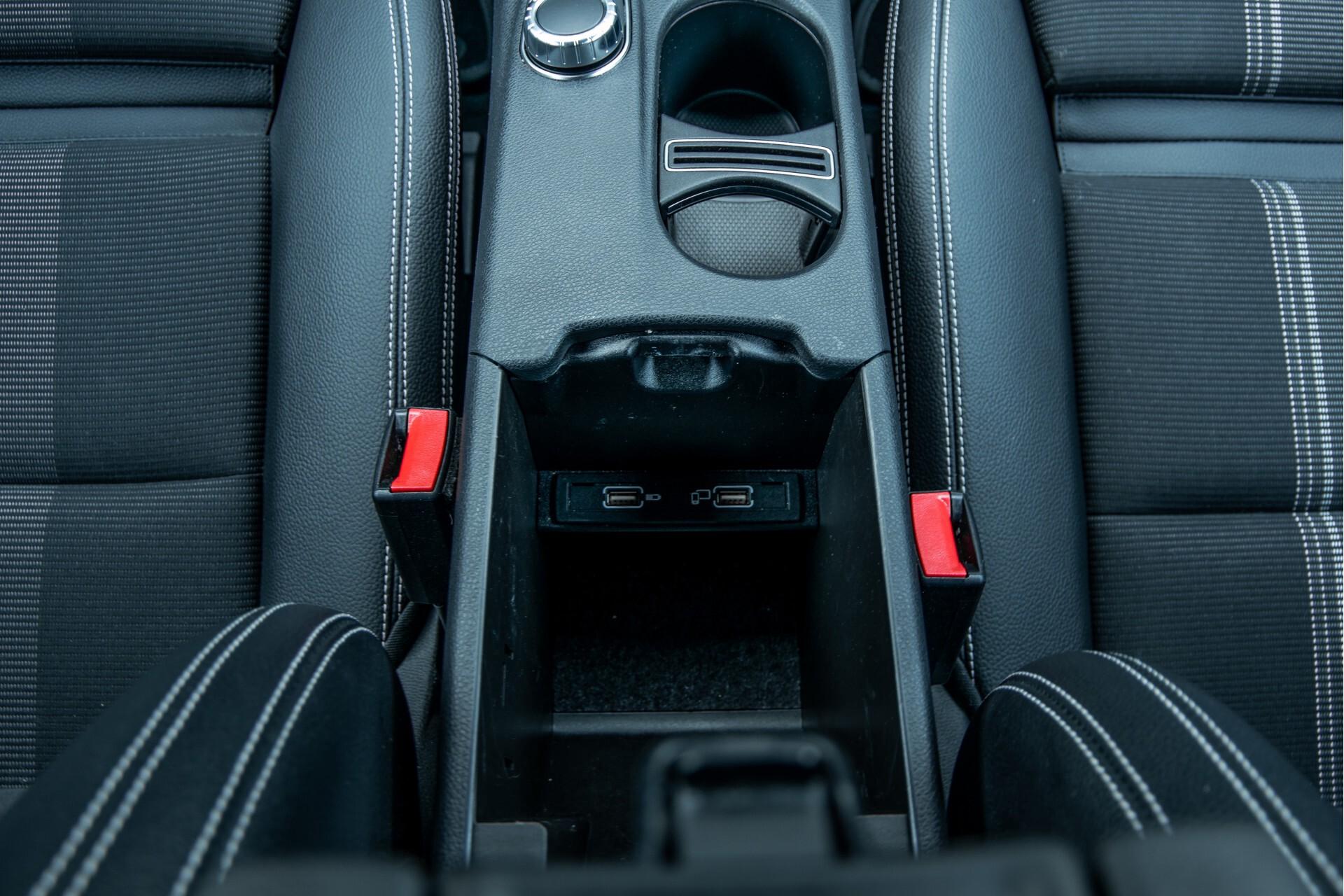 Mercedes-Benz CLA-Klasse 180 Urban Mediadisplay/Stoelverwarming/LED Aut7 Foto 40
