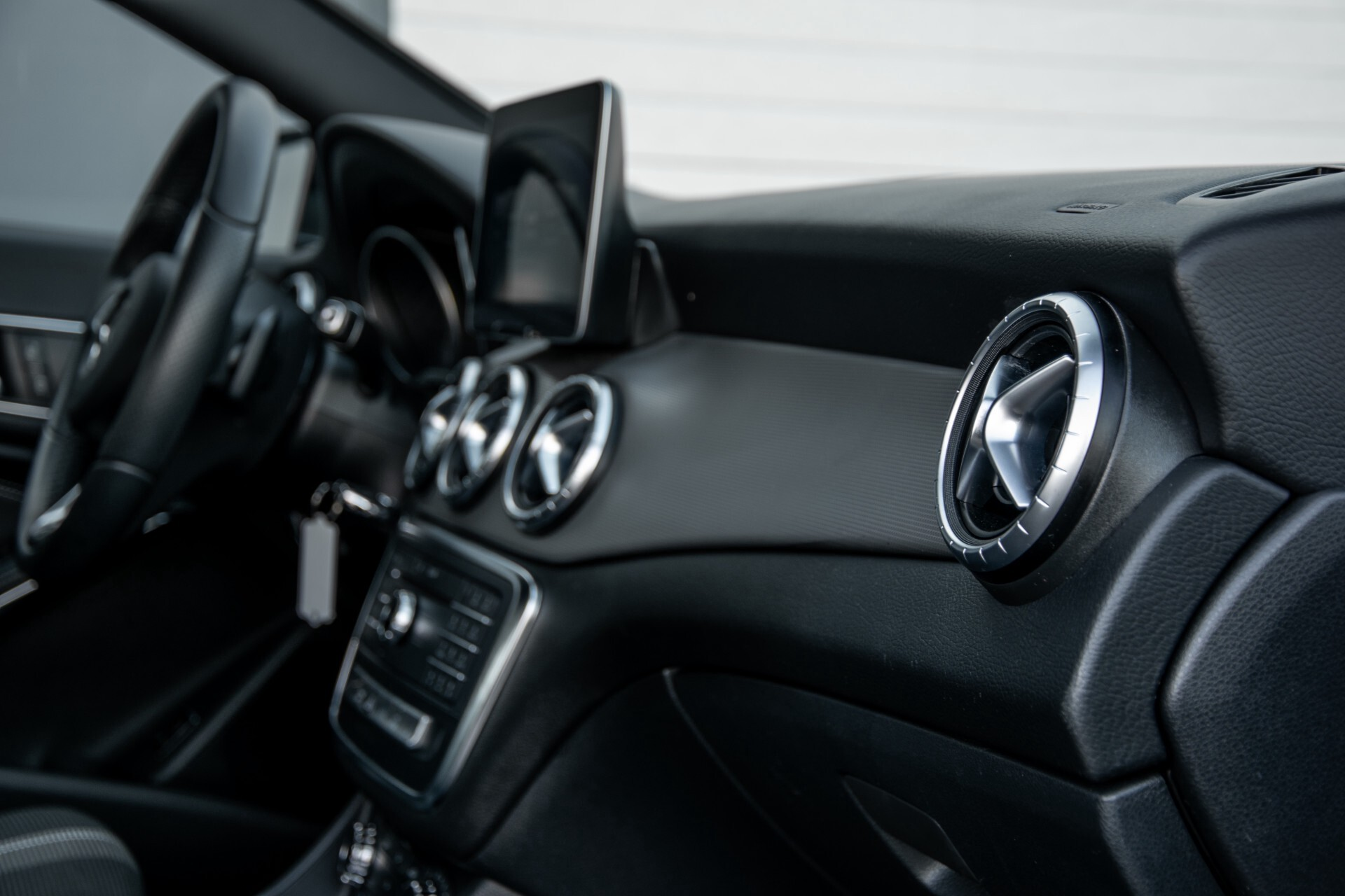 Mercedes-Benz CLA-Klasse 180 Urban Mediadisplay/Stoelverwarming/LED Aut7 Foto 44
