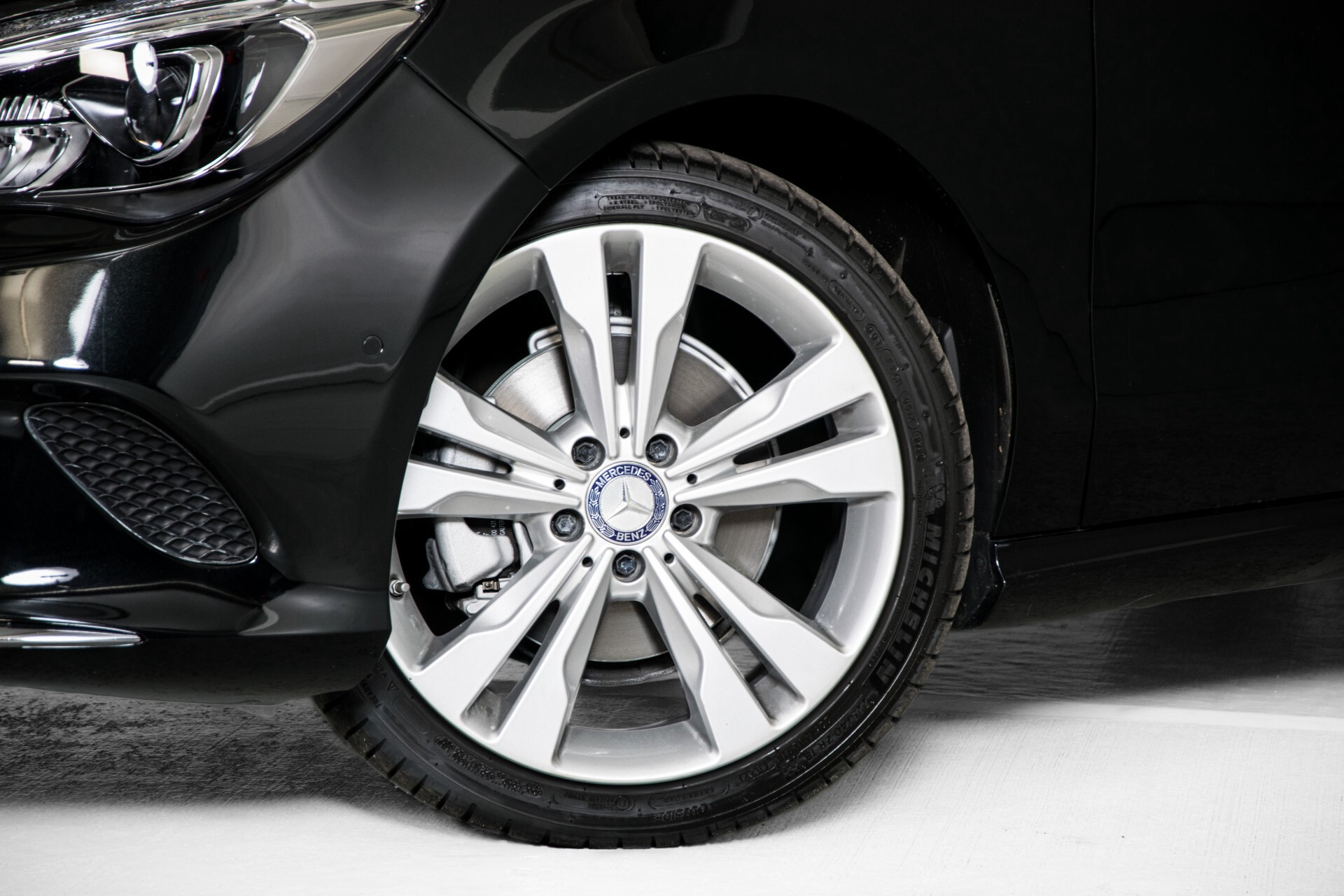 Mercedes-Benz CLA-Klasse 180 Urban Mediadisplay/Stoelverwarming/LED Aut7 Foto 48