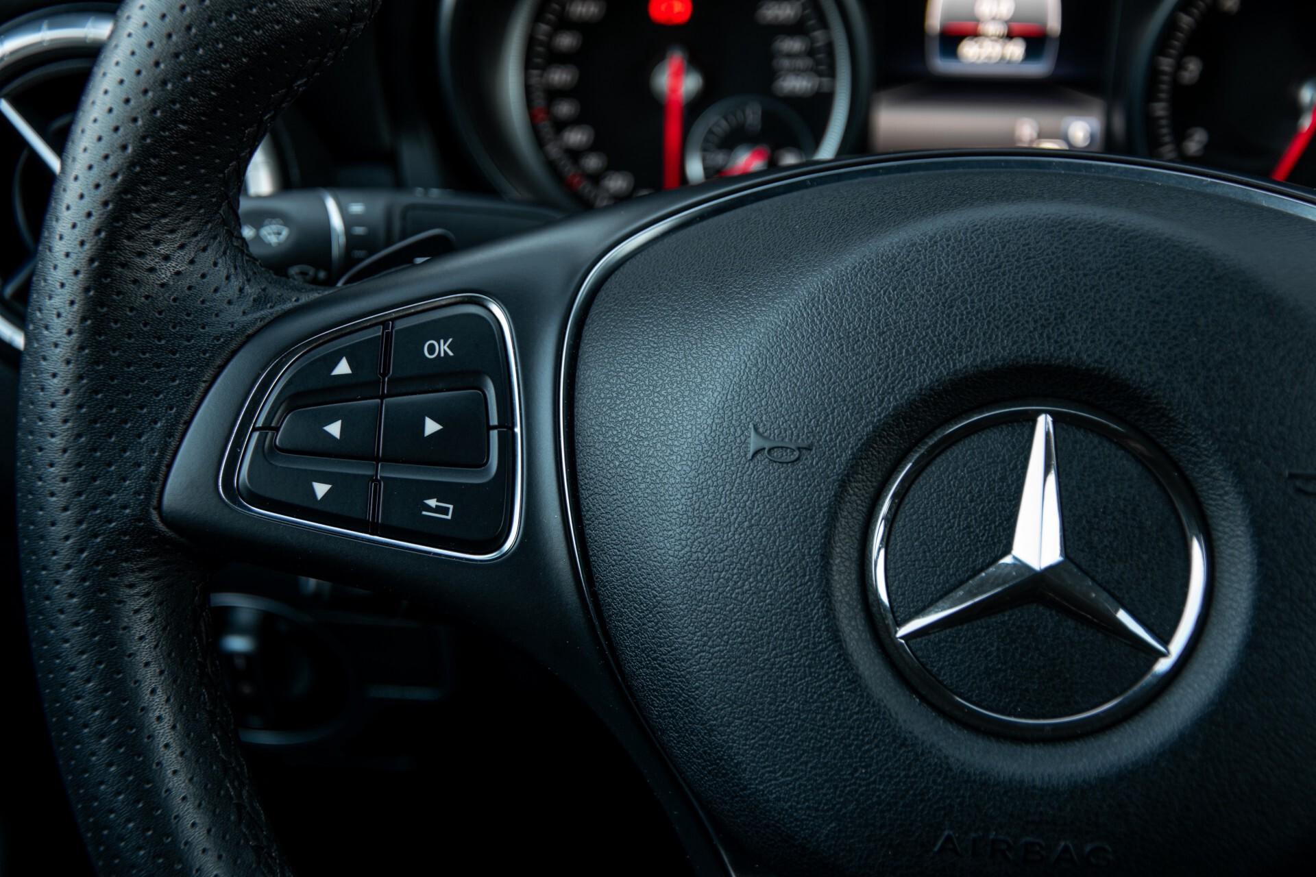 Mercedes-Benz CLA-Klasse 180 Urban Mediadisplay/Stoelverwarming/LED Aut7 Foto 9