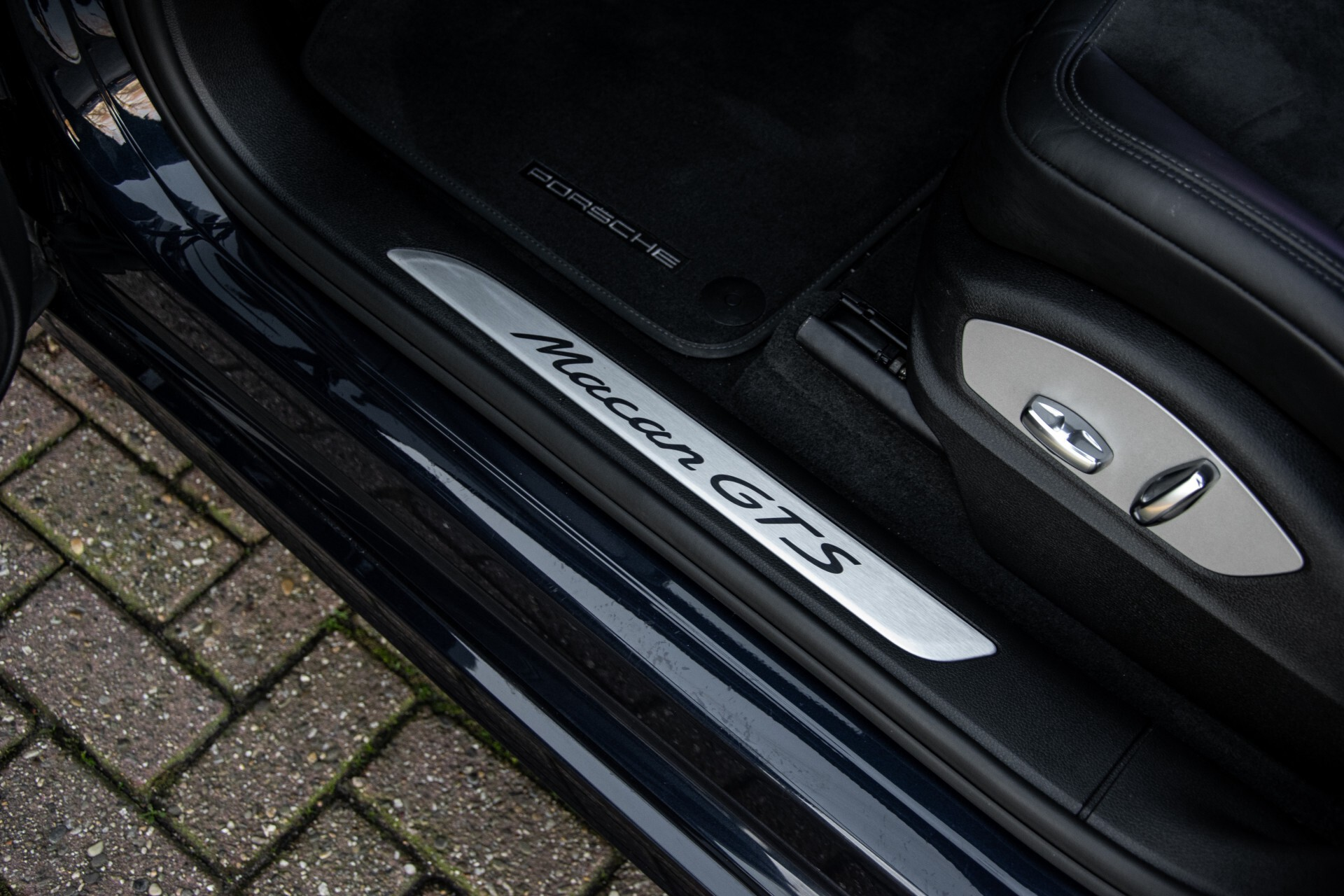 Porsche Macan 3.0 GTS Luchtvering/Panorama/Carbon/Bose/360-camera/Memory/PDLS Aut7 Foto 30