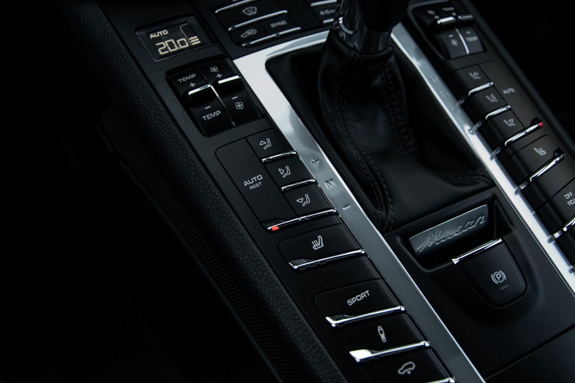 Porsche Macan 3.0 GTS Luchtvering/Panorama/Carbon/Bose/360-camera/Memory/PDLS Aut7 Foto 35