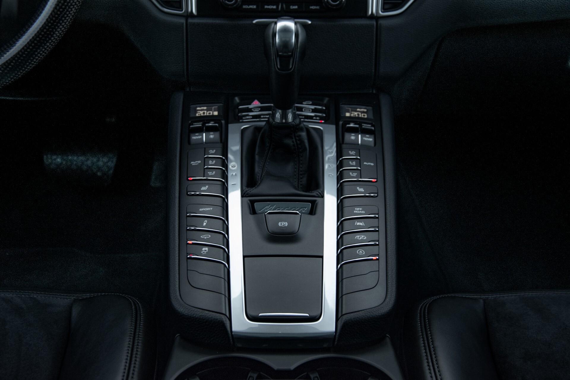 Porsche Macan 3.0 GTS Luchtvering/Panorama/Carbon/Bose/360-camera/Memory/PDLS Aut7 Foto 44