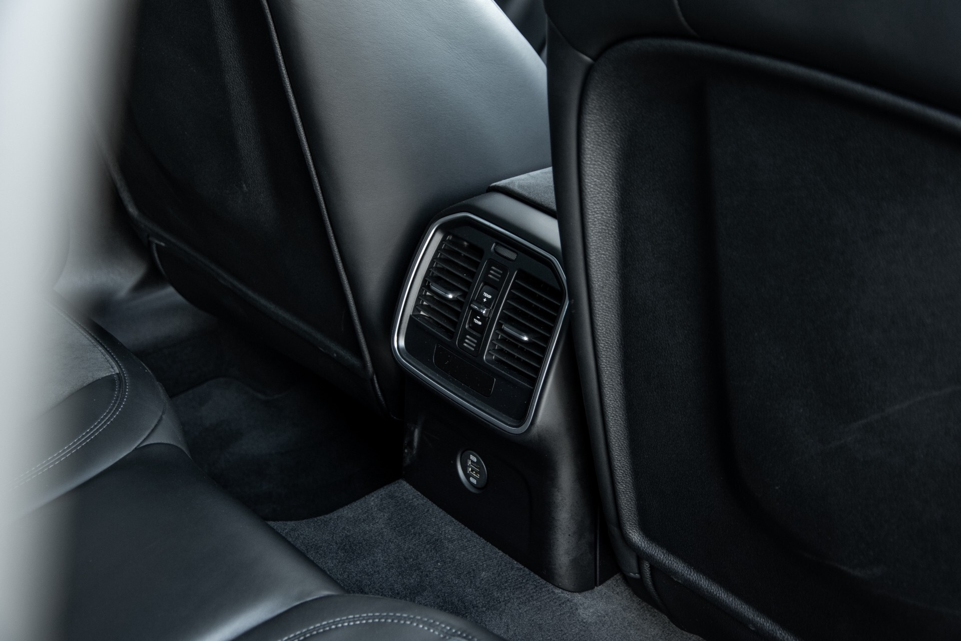Porsche Macan 3.0 GTS Luchtvering/Panorama/Carbon/Bose/360-camera/Memory/PDLS Aut7 Foto 46