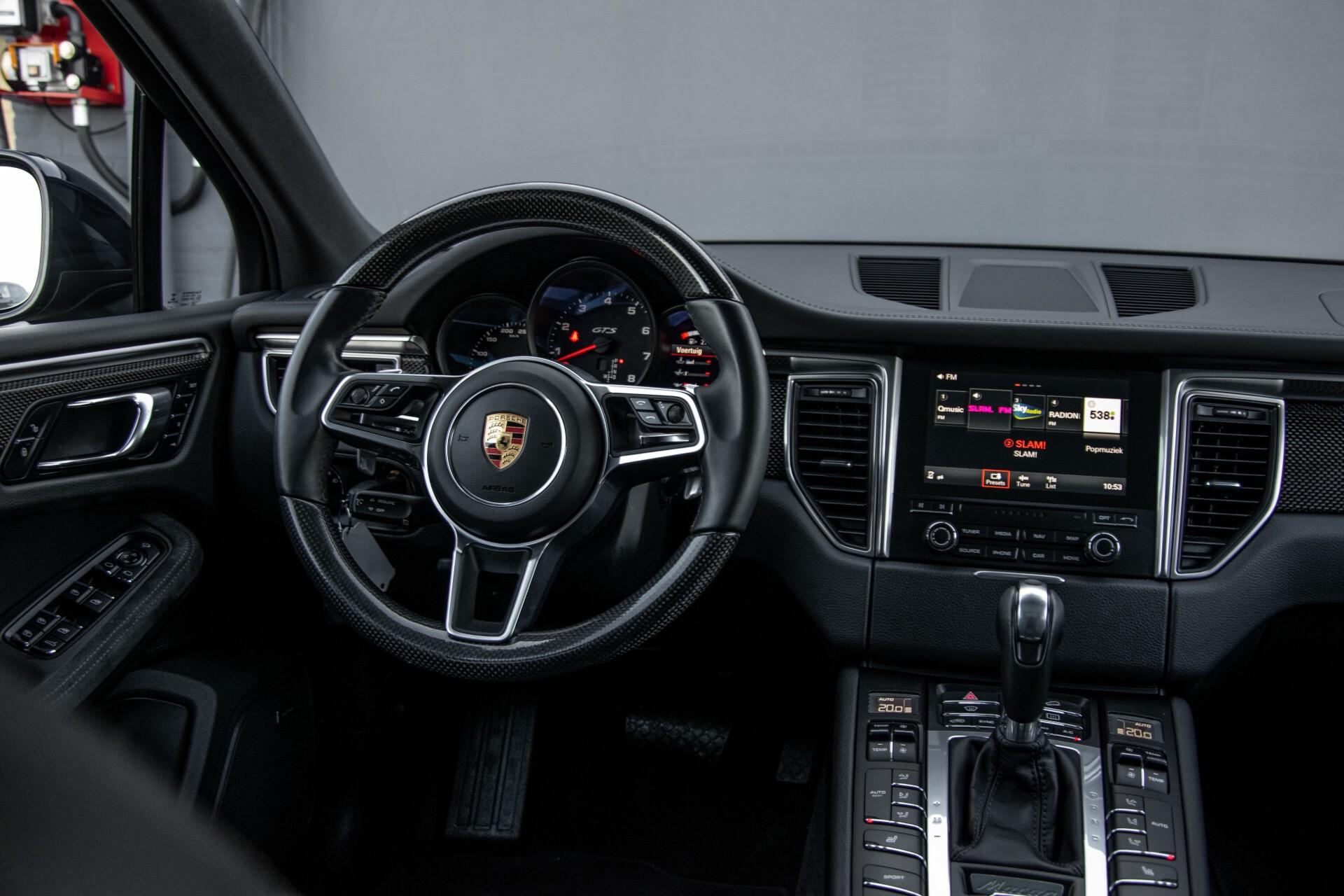 Porsche Macan 3.0 GTS Luchtvering/Panorama/Carbon/Bose/360-camera/Memory/PDLS Aut7 Foto 7