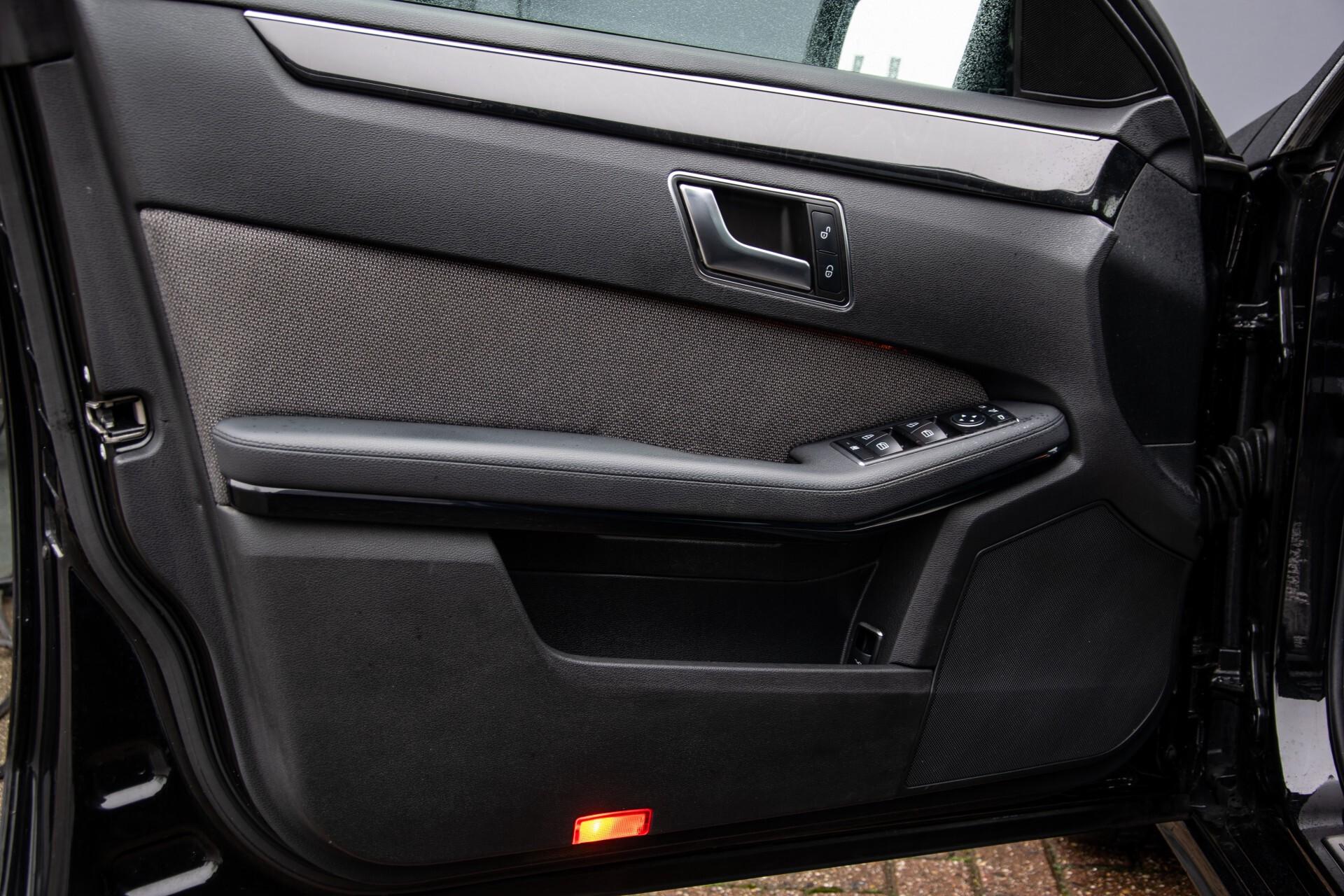 "Mercedes-Benz E-Klasse Estate 220 Cdi Avantgarde Wegklapbare trekhaak/18""/Privacyglas Aut7 Foto 23"