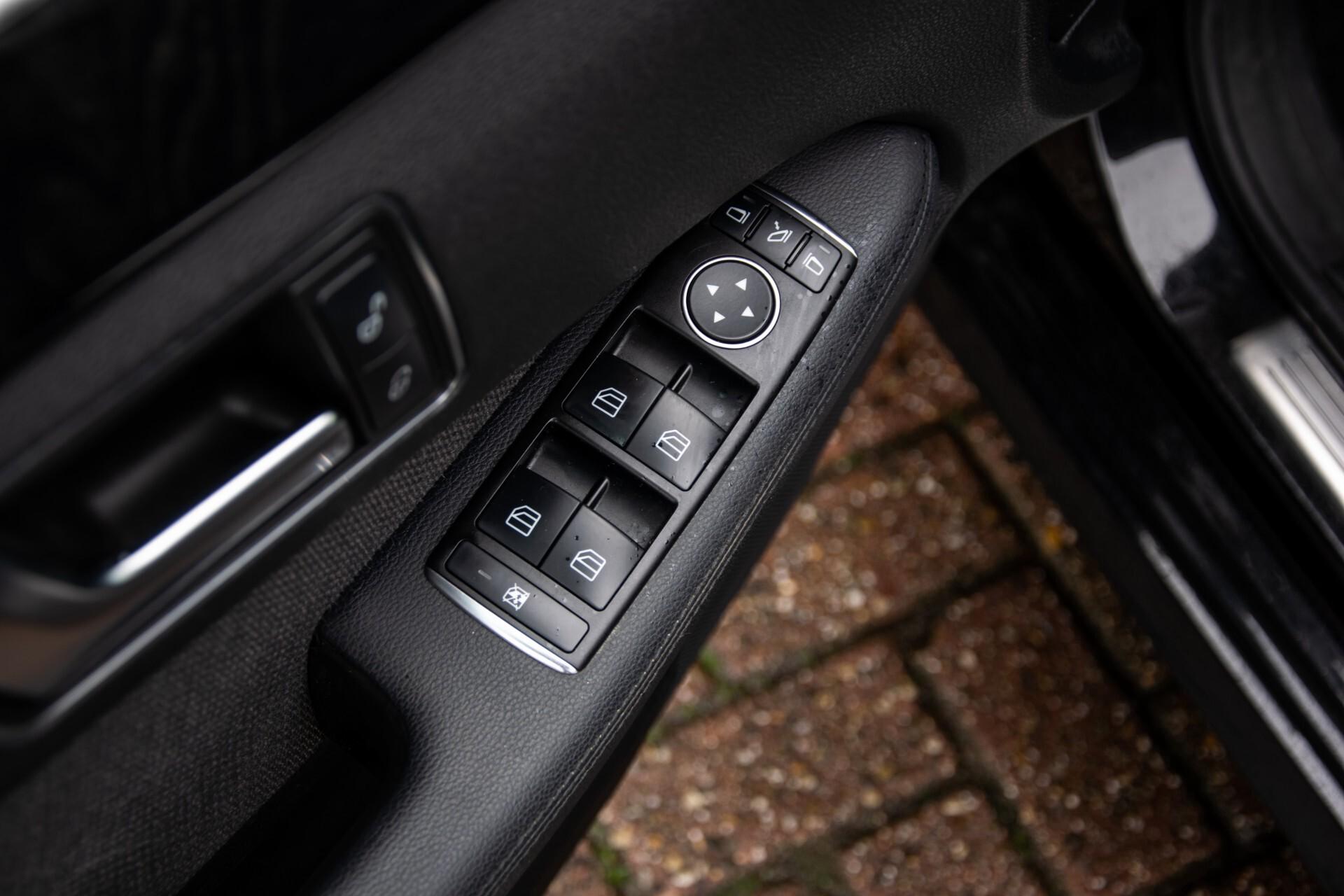 "Mercedes-Benz E-Klasse Estate 220 Cdi Avantgarde Wegklapbare trekhaak/18""/Privacyglas Aut7 Foto 24"
