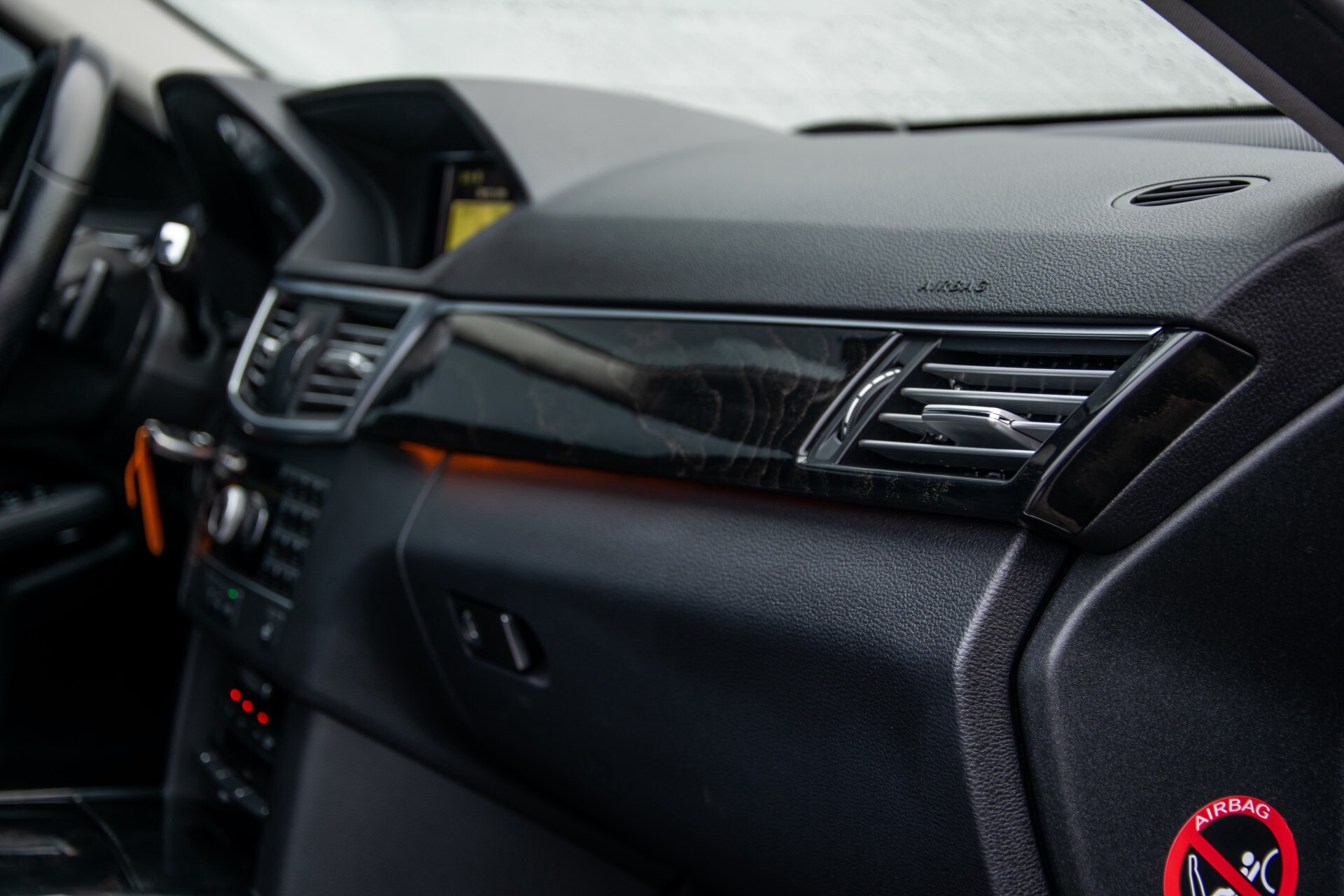 "Mercedes-Benz E-Klasse Estate 220 Cdi Avantgarde Wegklapbare trekhaak/18""/Privacyglas Aut7 Foto 30"