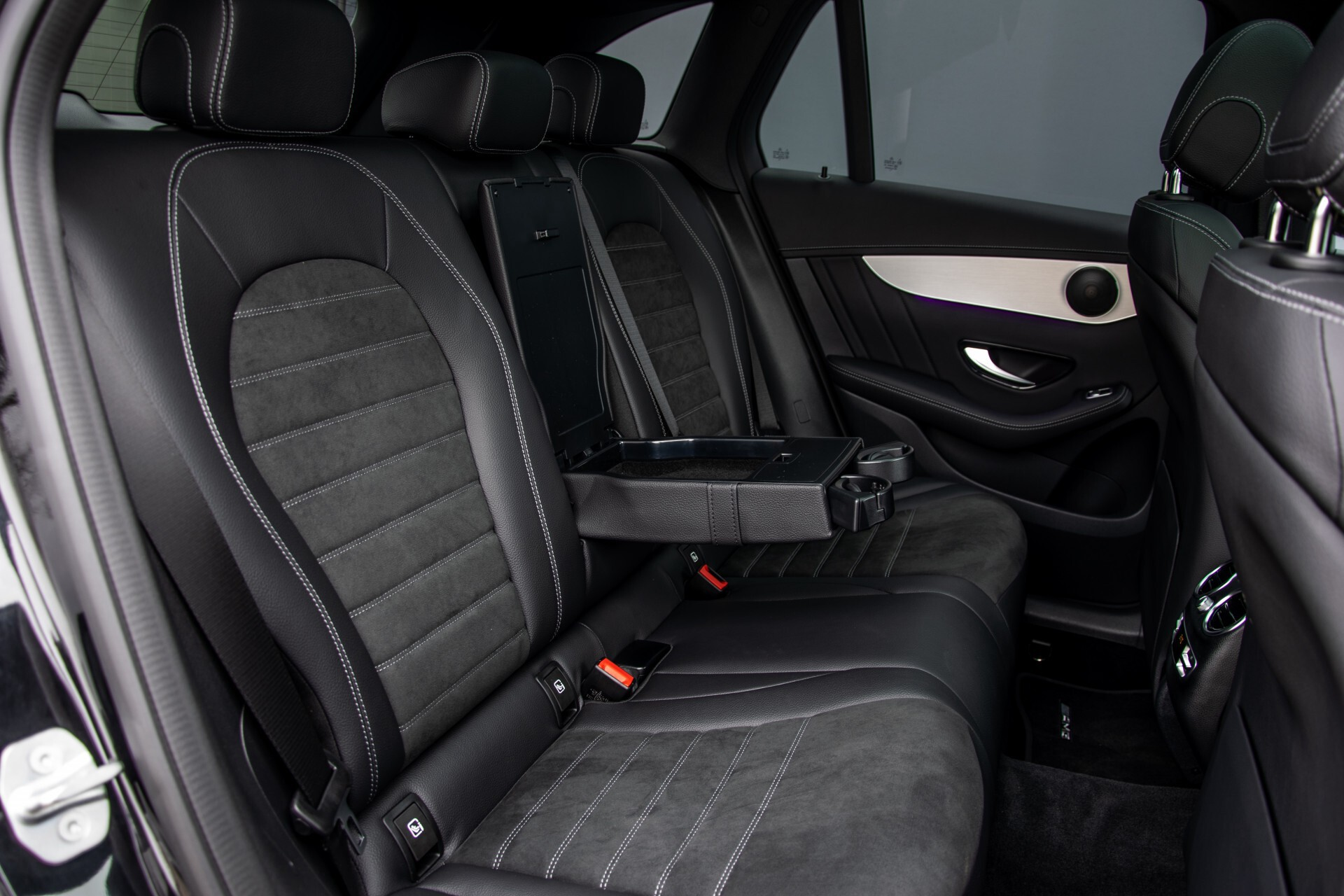 """Mercedes-Benz GLC 200 4-M AMG Panorama/Night/Assistentiepakket/20""""/Treeplanken Aut9 Foto 5"""