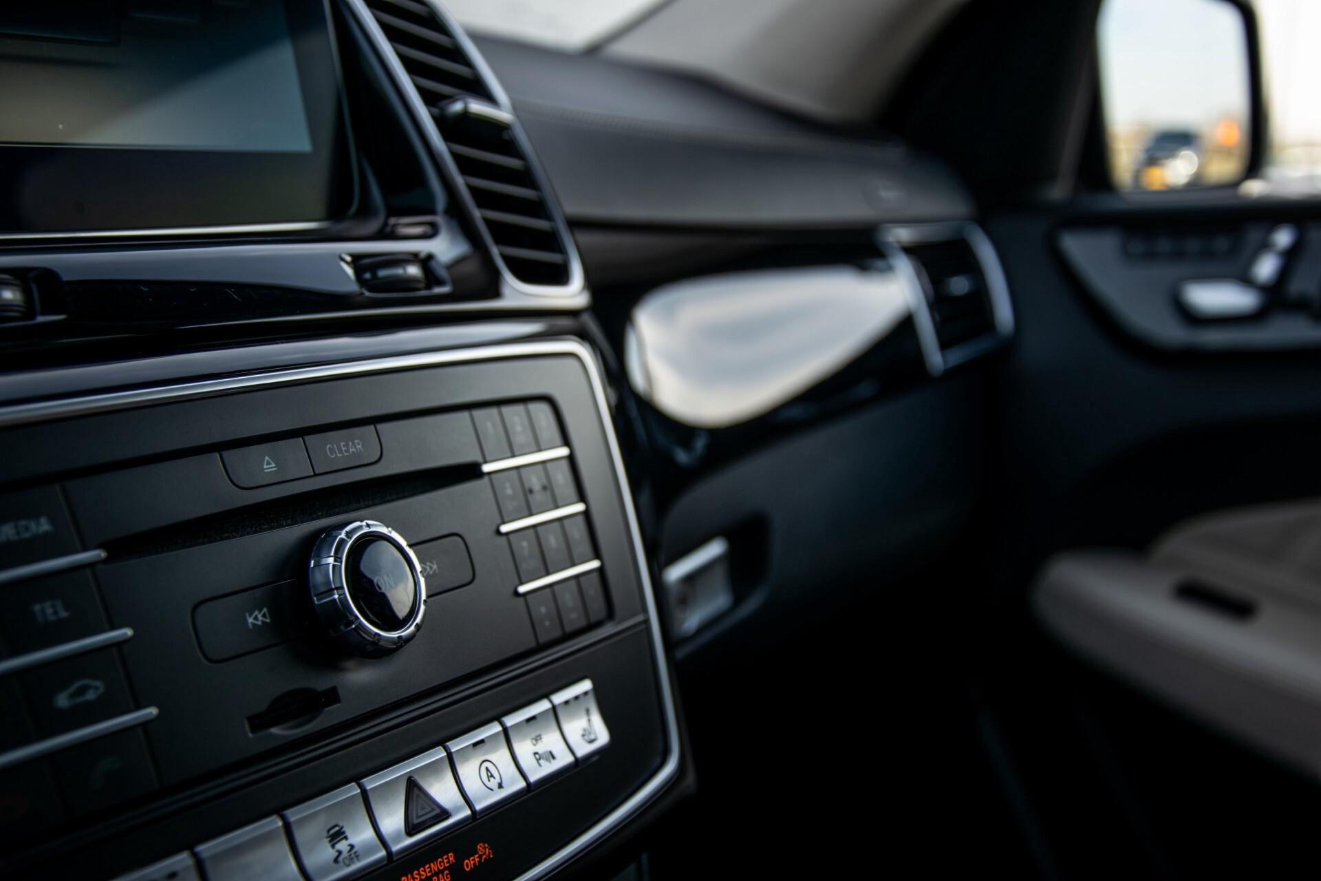 "Mercedes-Benz GLE 43 AMG 4-M Active Curve System/Distronic/Panorama/22"" Aut9 Foto 36"