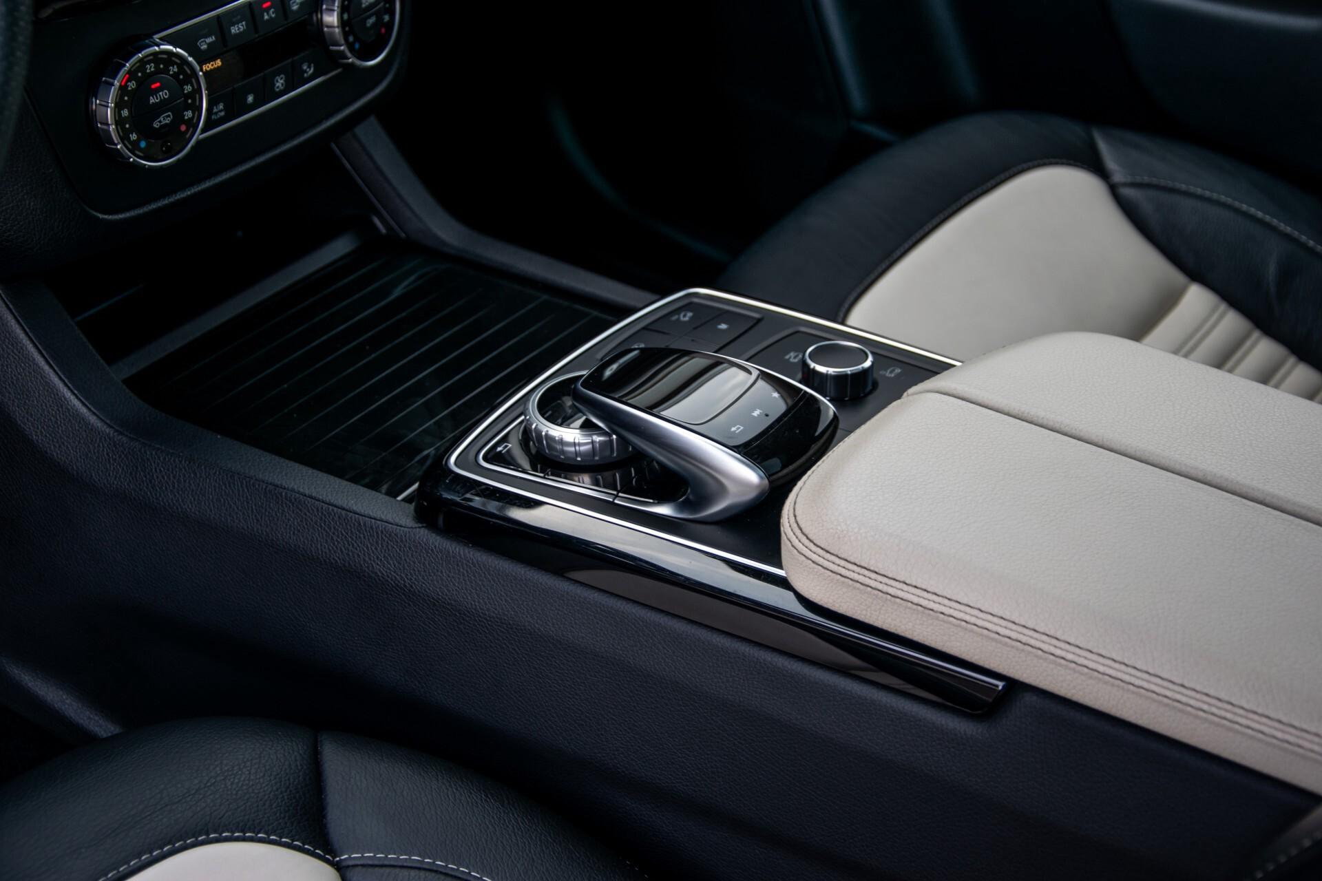 "Mercedes-Benz GLE 43 AMG 4-M Active Curve System/Distronic/Panorama/22"" Aut9 Foto 37"