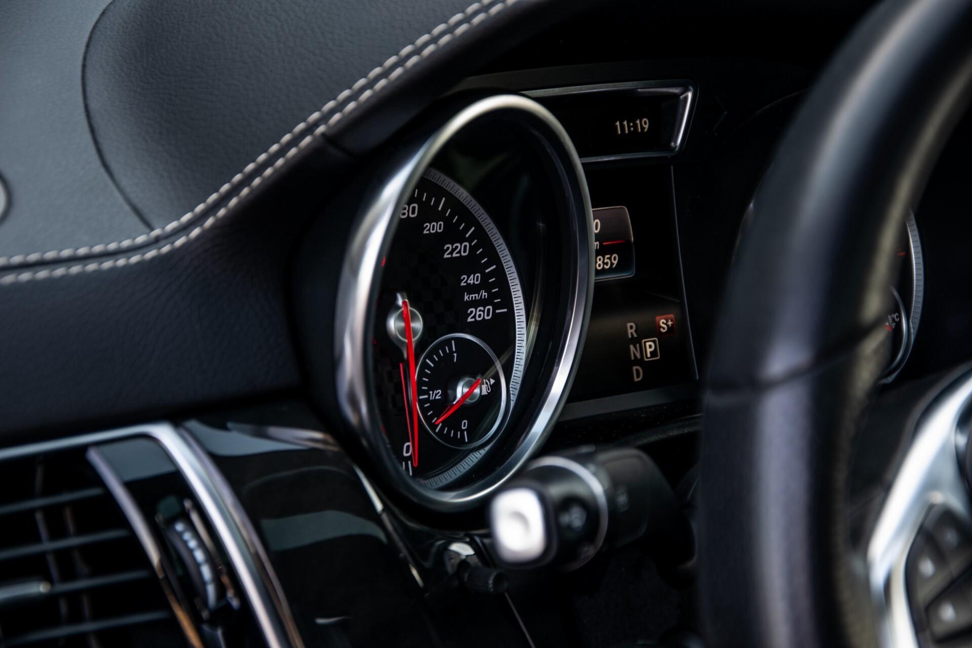 "Mercedes-Benz GLE 43 AMG 4-M Active Curve System/Distronic/Panorama/22"" Aut9 Foto 39"