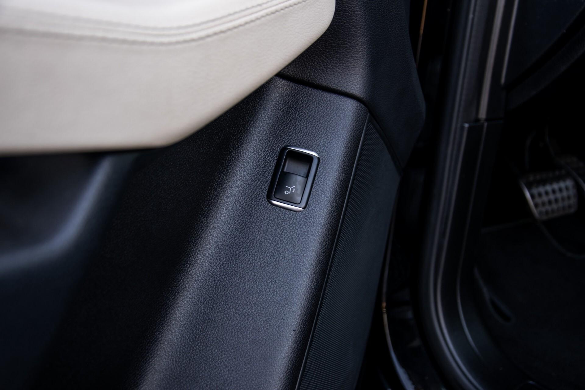 "Mercedes-Benz GLE 43 AMG 4-M Active Curve System/Distronic/Panorama/22"" Aut9 Foto 44"