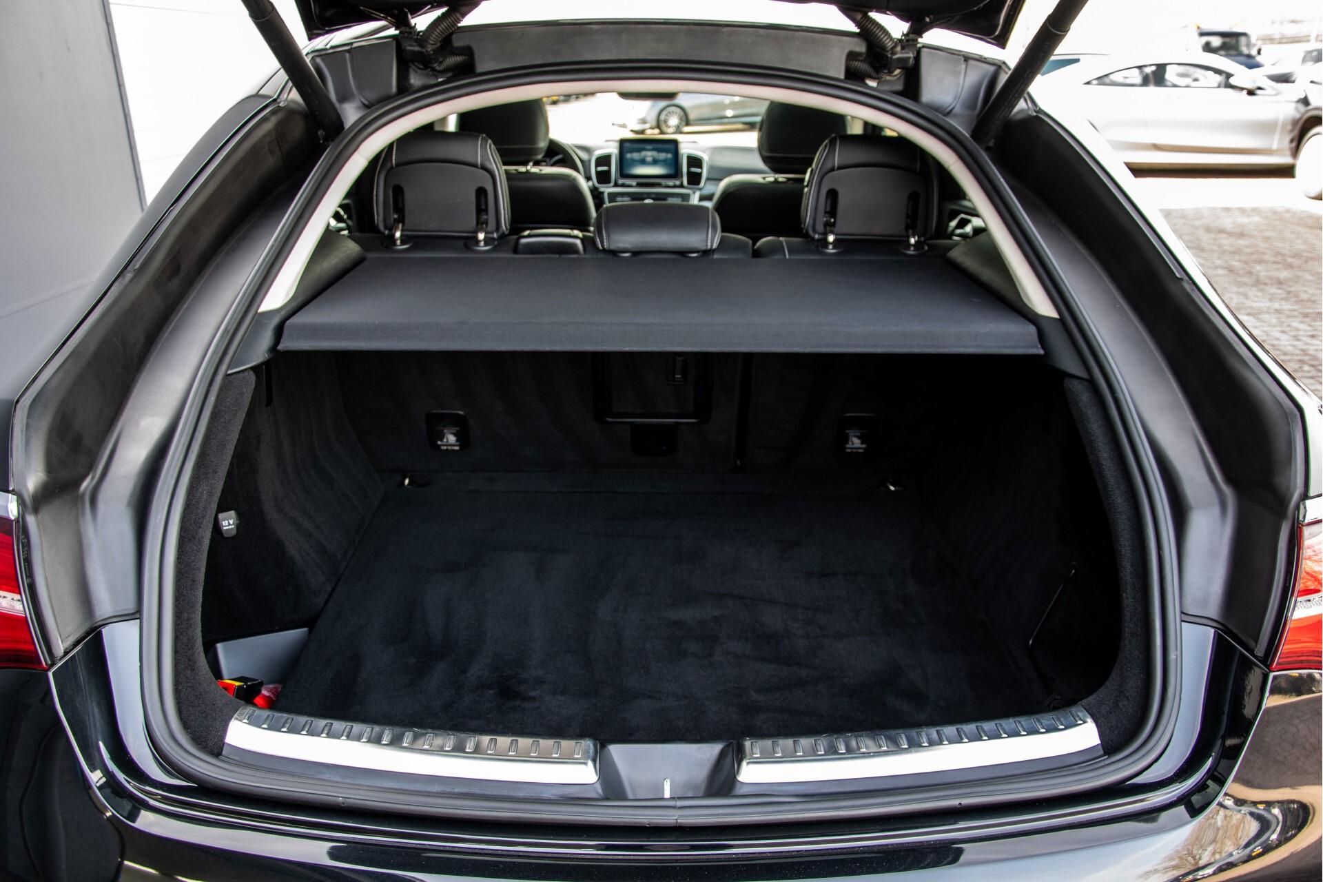 "Mercedes-Benz GLE 43 AMG 4-M Active Curve System/Distronic/Panorama/22"" Aut9 Foto 58"