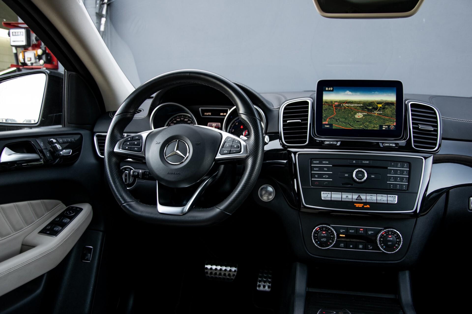 "Mercedes-Benz GLE 43 AMG 4-M Active Curve System/Distronic/Panorama/22"" Aut9 Foto 7"