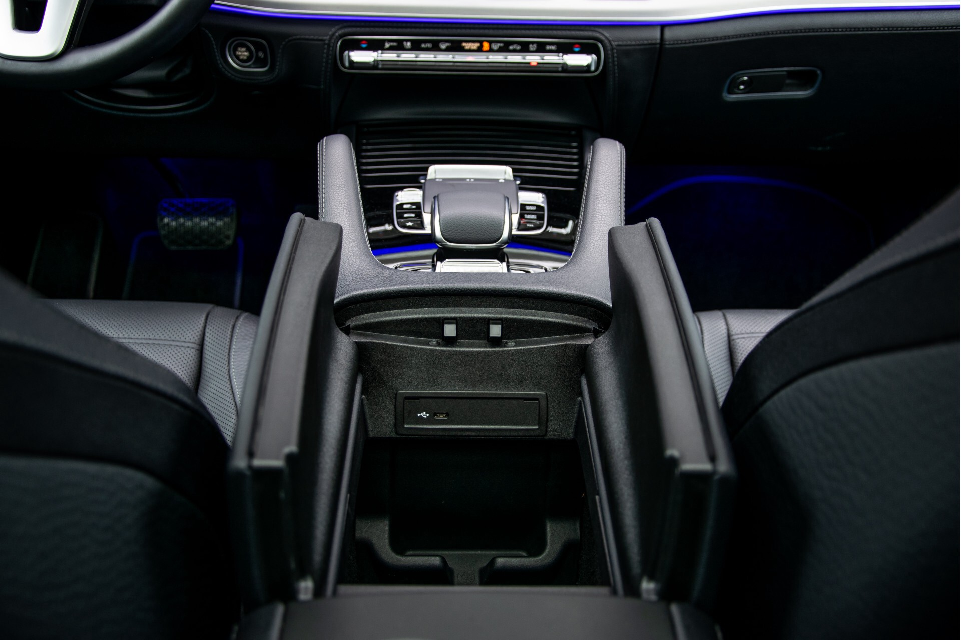 Mercedes-Benz GLE 450 4-M 7-Persoons AMG Massage/Rij-assist/Keyless/TV/360/Night/Trekhaak Aut9 Foto 43