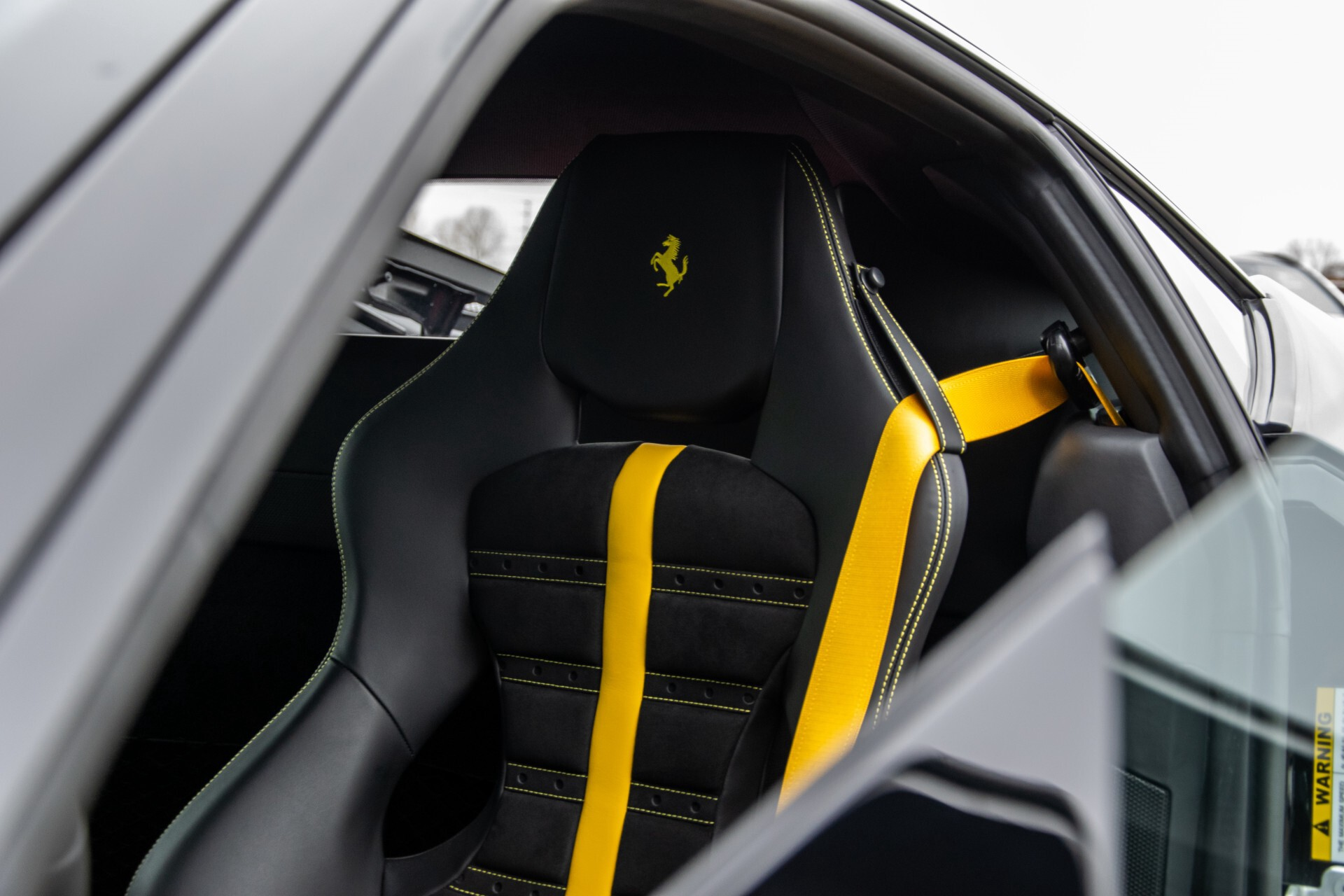 Ferrari F8 Tributo 3.9 V8 HELE Novitech Full Carbon/Lift/Racing Seats/Passenger Display/Hifi Foto 12