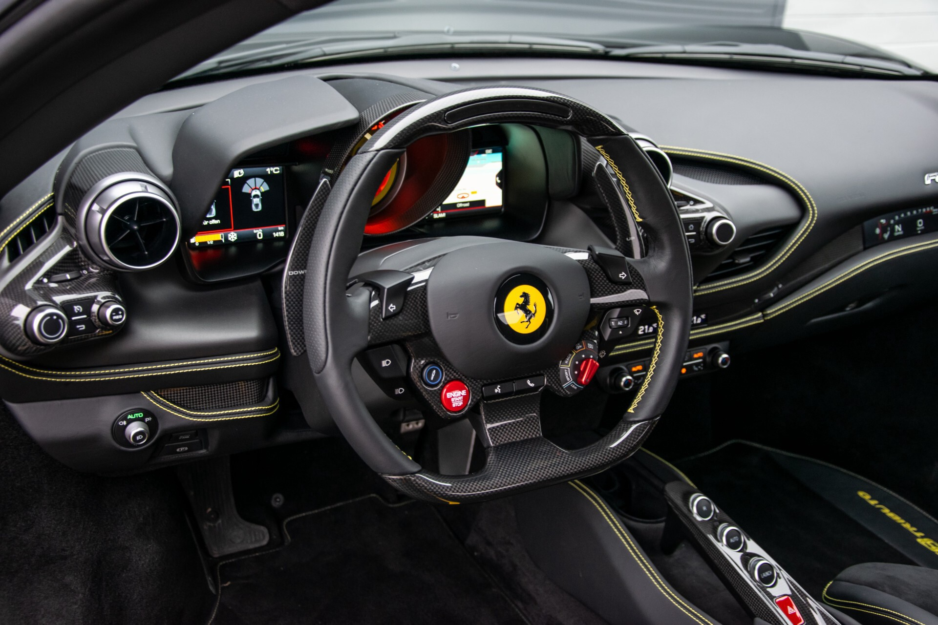 Ferrari F8 Tributo 3.9 V8 HELE Novitech Full Carbon/Lift/Racing Seats/Passenger Display/Hifi Foto 5