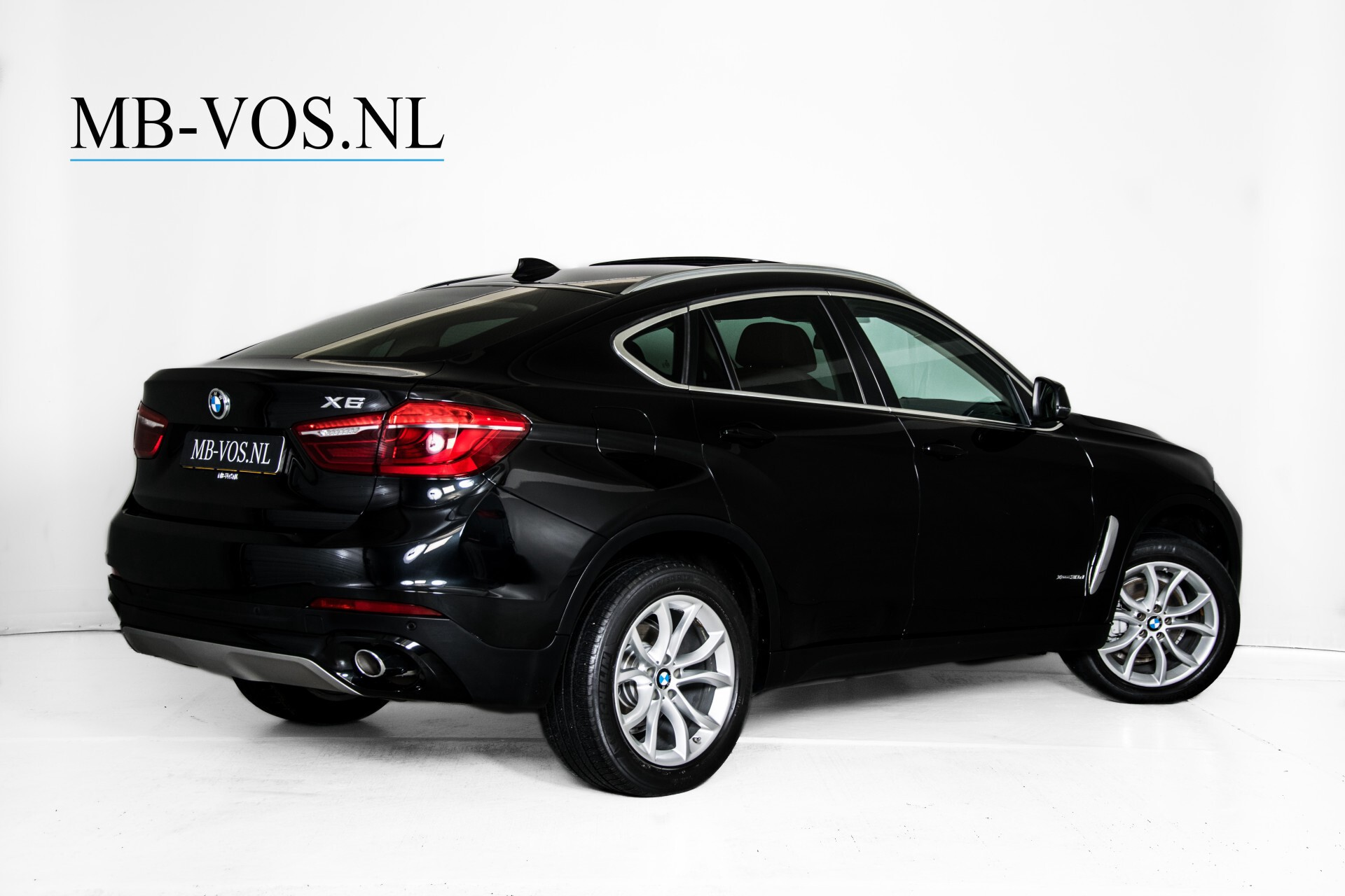 BMW X6 xDrive30d High Executive Driving Assistant/Dak/Comfortstoelen/Trekhaak Aut8 Foto 2