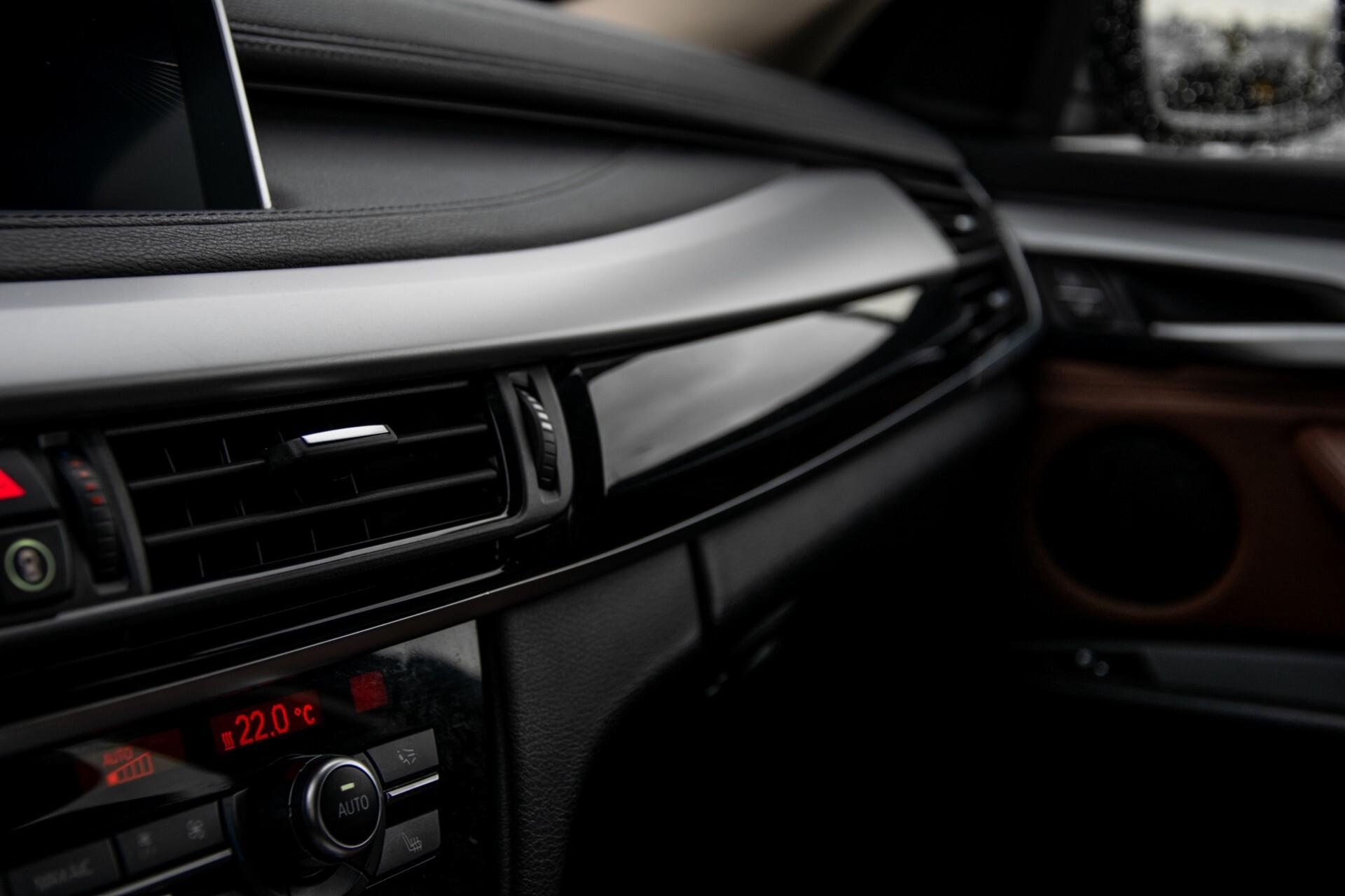BMW X6 xDrive30d High Executive Driving Assistant/Dak/Comfortstoelen/Trekhaak Aut8 Foto 22