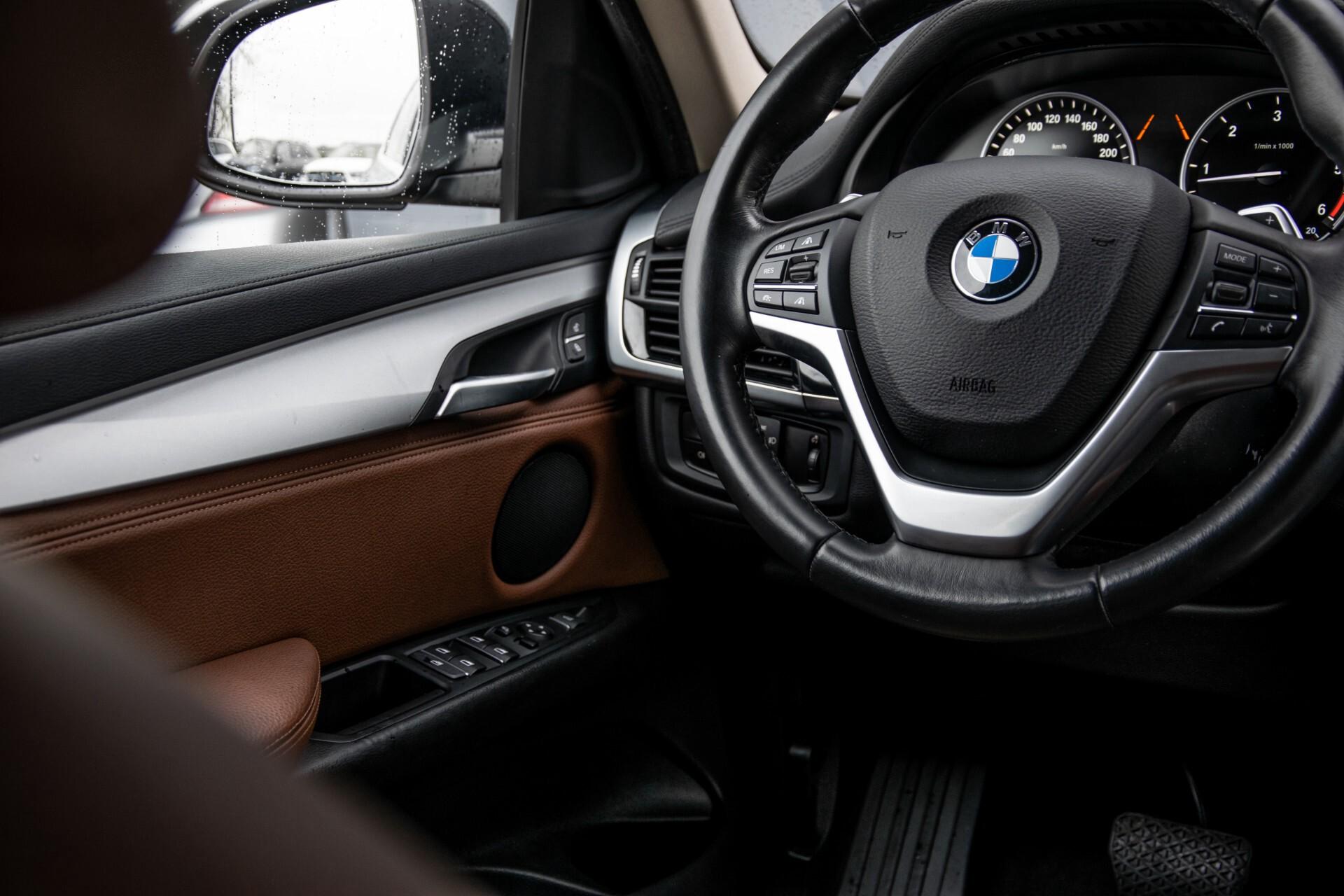BMW X6 xDrive30d High Executive Driving Assistant/Dak/Comfortstoelen/Trekhaak Aut8 Foto 23