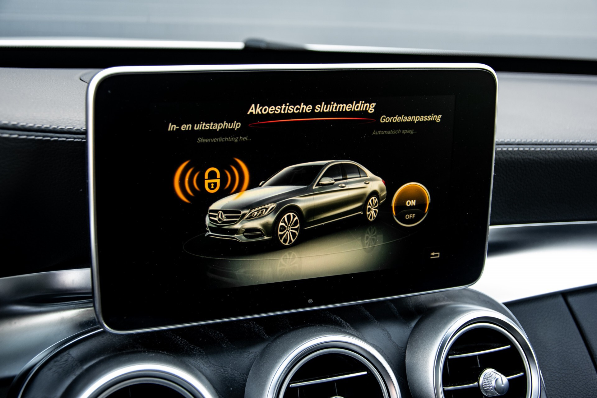 Mercedes-Benz C-Klasse 450/43 AMG 4-M Distronic/Standkachel/Panorama/Keyless/Harman-Kardon/Stoelkoeling Aut7 Foto 29