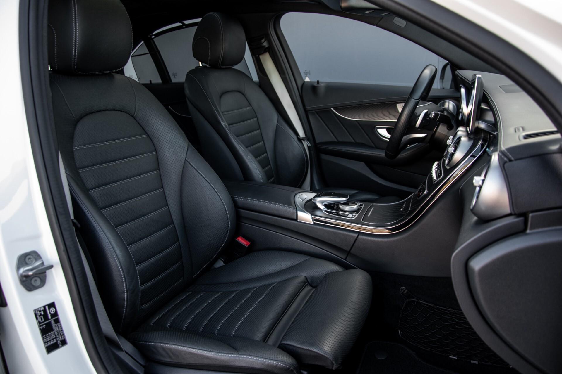 Mercedes-Benz C-Klasse 450/43 AMG 4-M Distronic/Standkachel/Panorama/Keyless/Harman-Kardon/Stoelkoeling Aut7 Foto 3