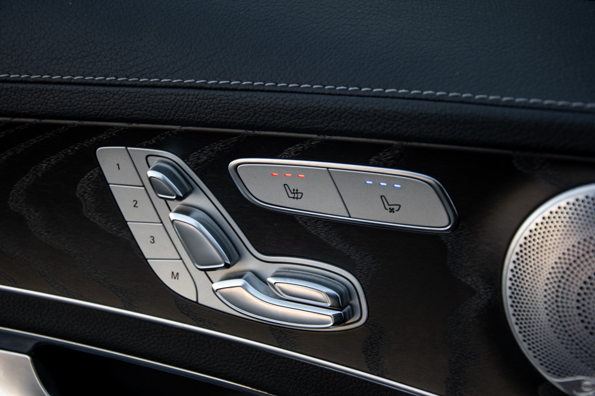 Mercedes-Benz C-Klasse 450/43 AMG 4-M Distronic/Standkachel/Panorama/Keyless/Harman-Kardon/Stoelkoeling Aut7 Foto 30