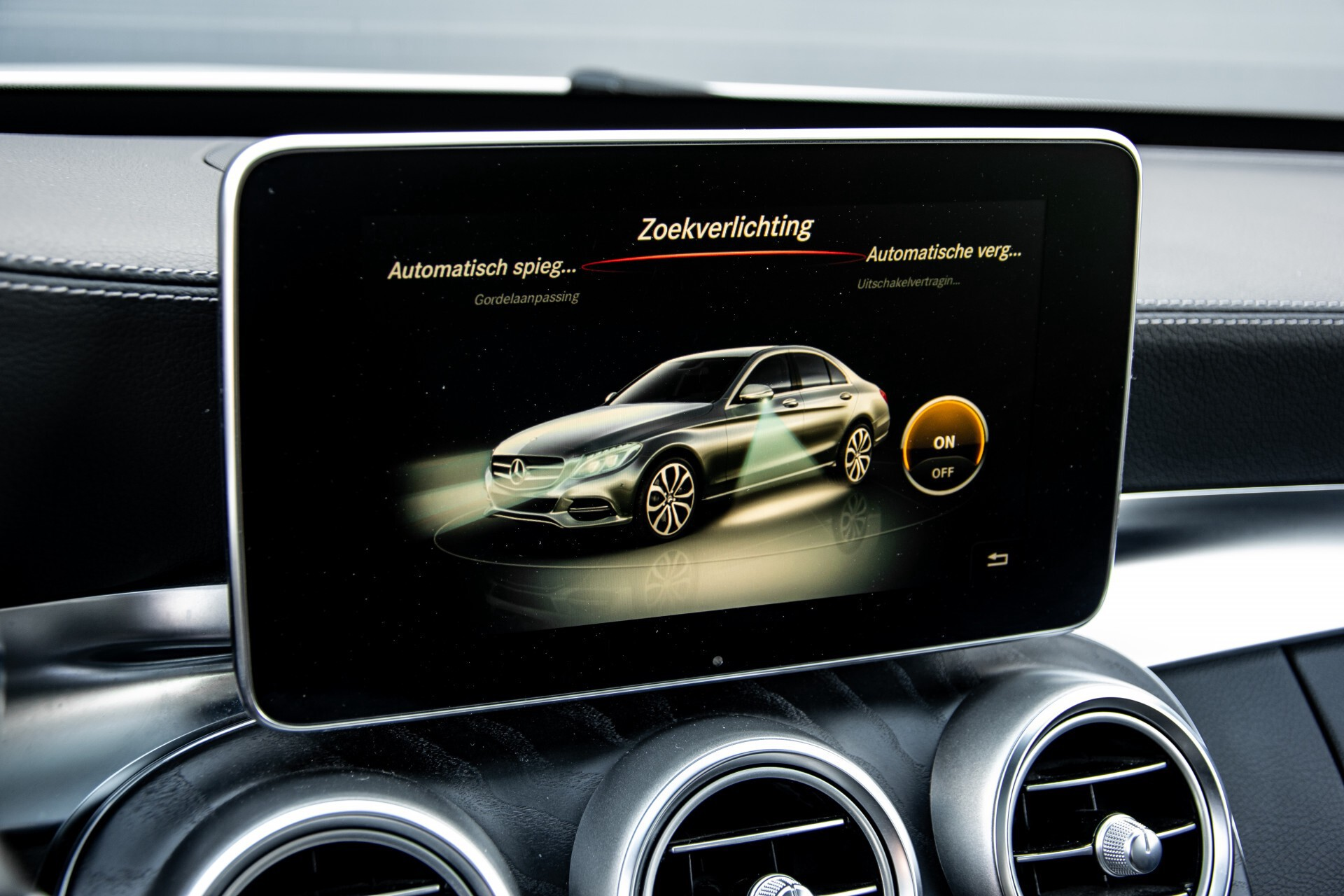 Mercedes-Benz C-Klasse 450/43 AMG 4-M Distronic/Standkachel/Panorama/Keyless/Harman-Kardon/Stoelkoeling Aut7 Foto 34
