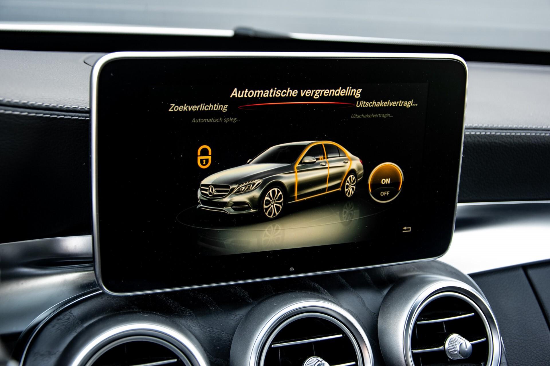 Mercedes-Benz C-Klasse 450/43 AMG 4-M Distronic/Standkachel/Panorama/Keyless/Harman-Kardon/Stoelkoeling Aut7 Foto 36