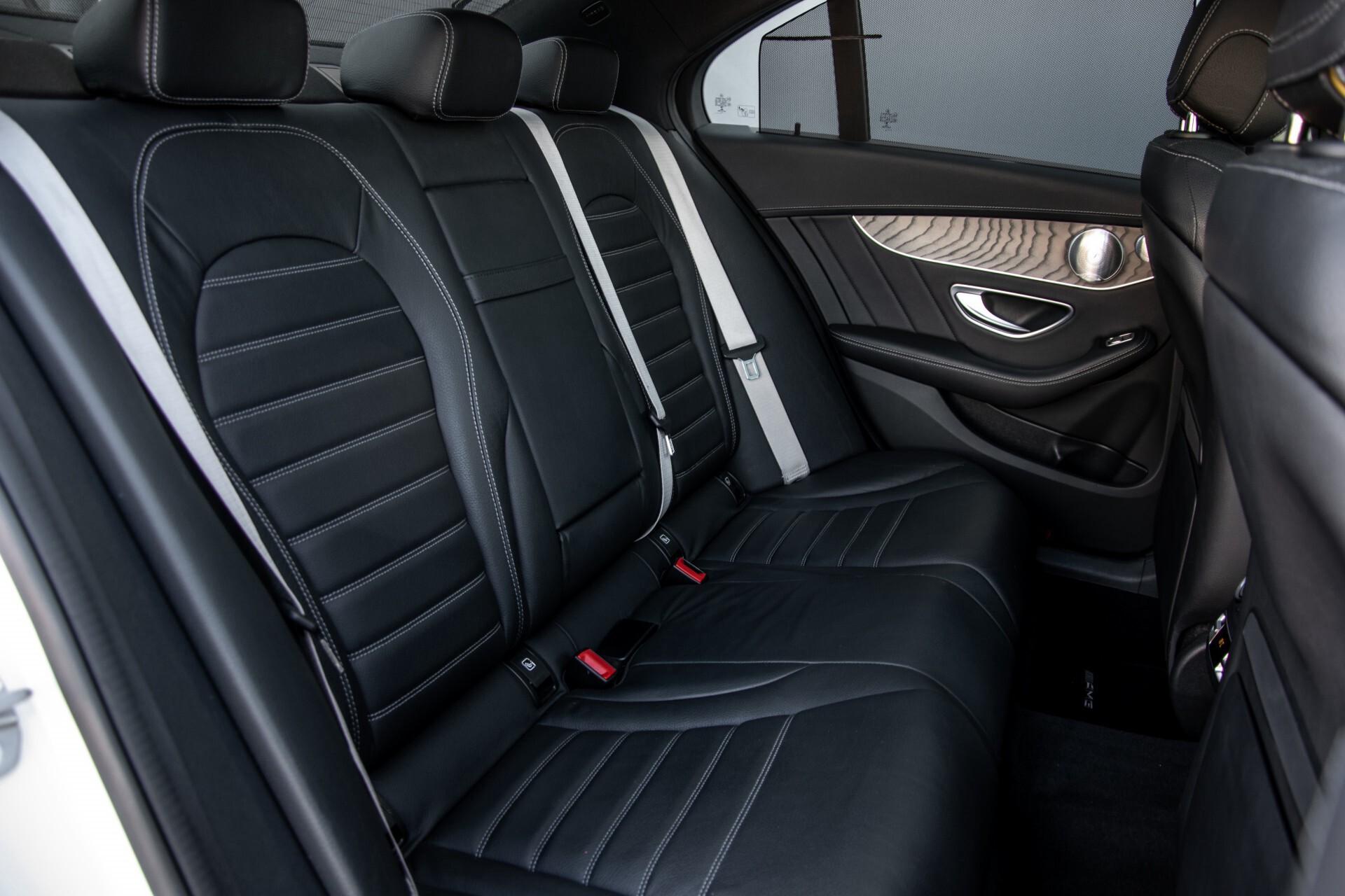 Mercedes-Benz C-Klasse 450/43 AMG 4-M Distronic/Standkachel/Panorama/Keyless/Harman-Kardon/Stoelkoeling Aut7 Foto 4