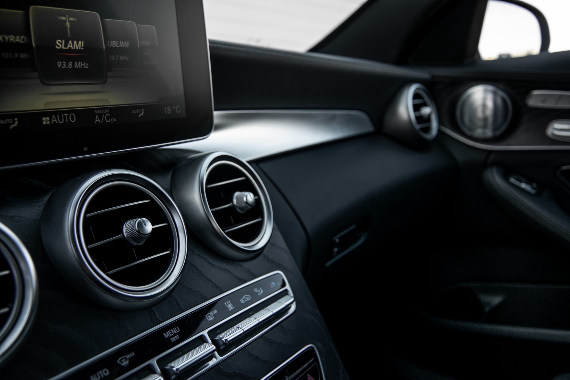 Mercedes-Benz C-Klasse 450/43 AMG 4-M Distronic/Standkachel/Panorama/Keyless/Harman-Kardon/Stoelkoeling Aut7 Foto 47