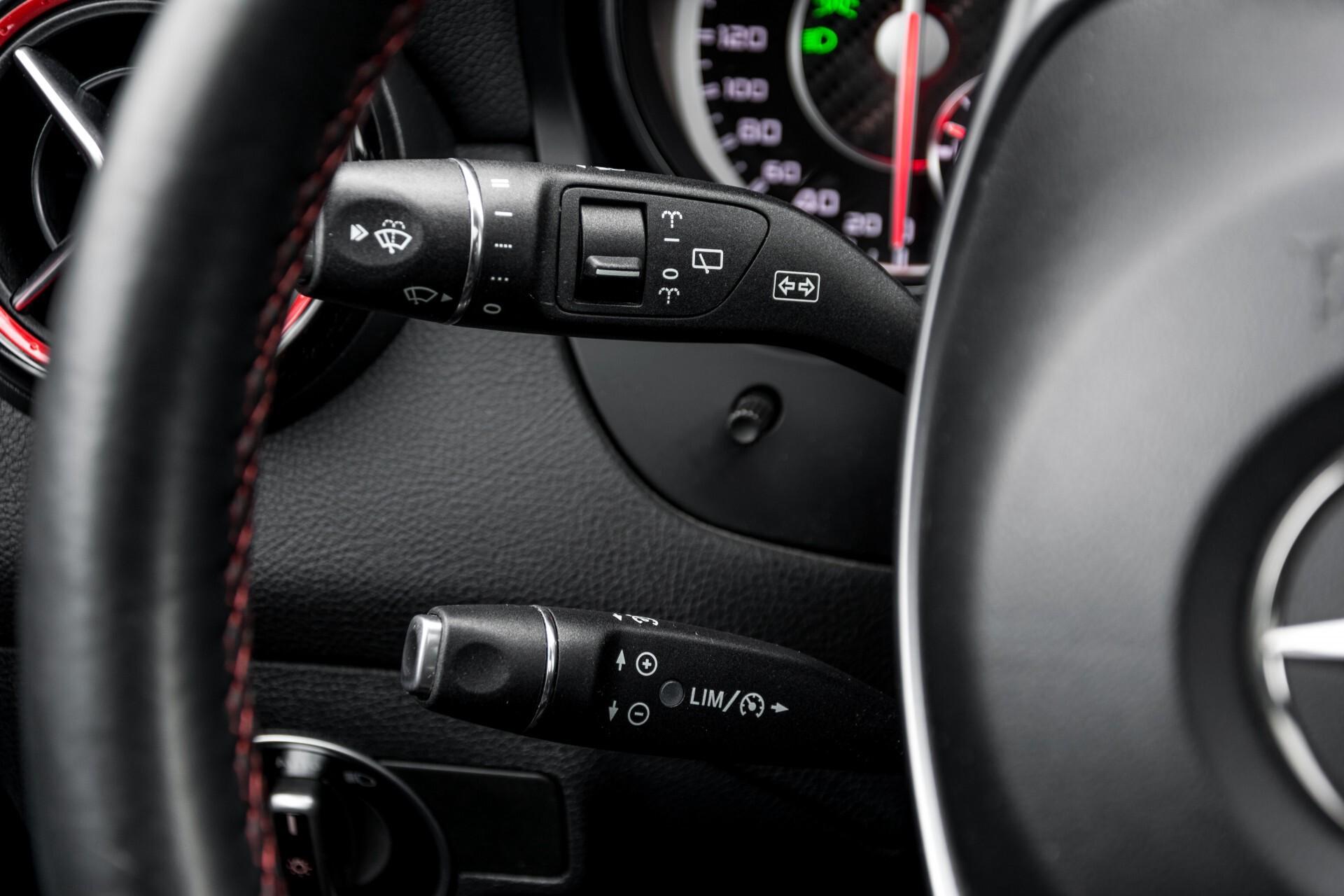 """Mercedes-Benz CLA-Klasse Shooting Brake 45 AMG 4-M Performance Stoelen/Uitlaat/19"""" velgen/Exclusive/Panorama Aut7 Foto 10"""