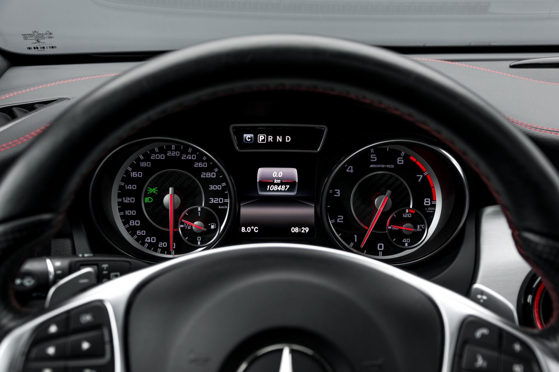"""Mercedes-Benz CLA-Klasse Shooting Brake 45 AMG 4-M Performance Stoelen/Uitlaat/19"""" velgen/Exclusive/Panorama Aut7 Foto 12"""