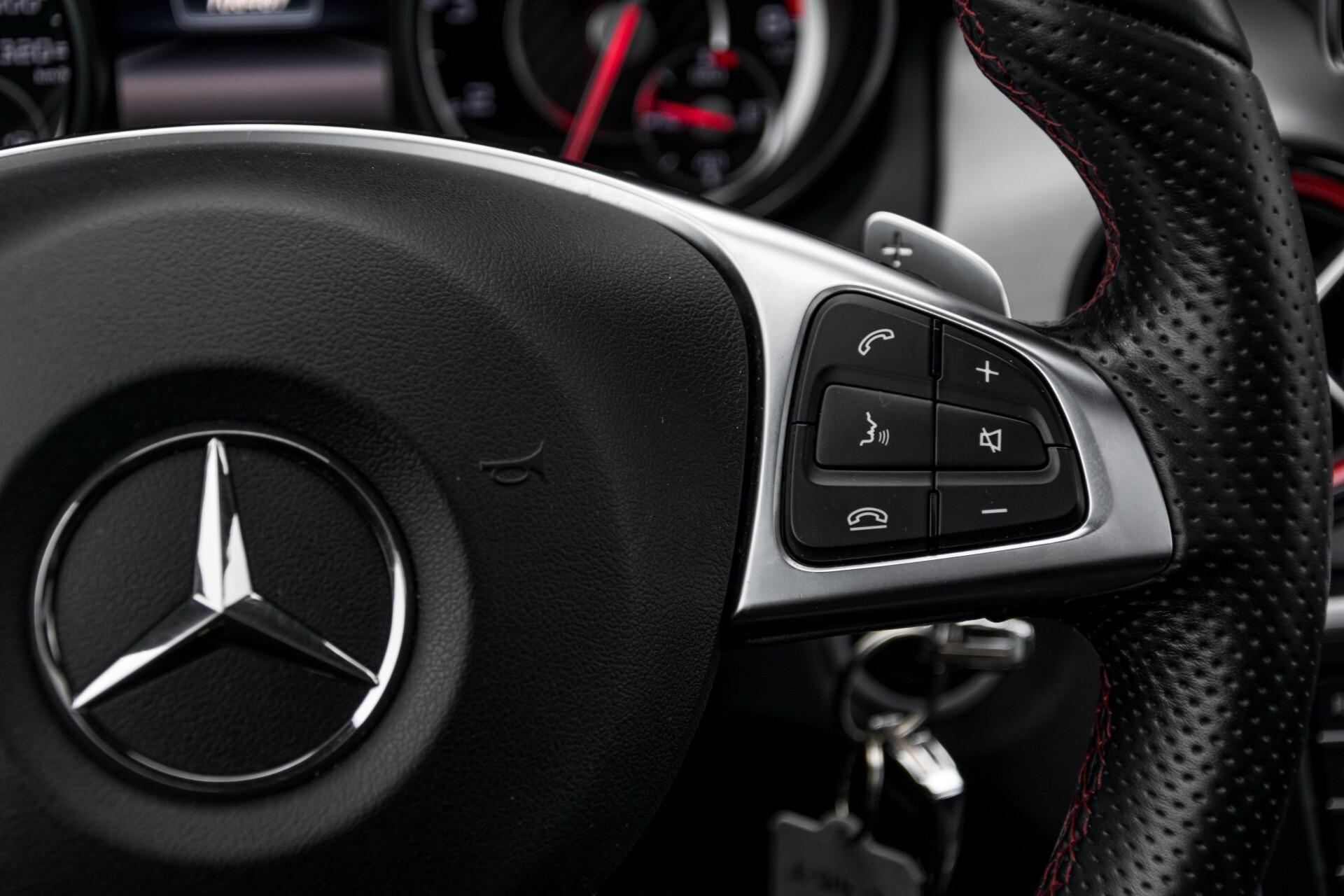 """Mercedes-Benz CLA-Klasse Shooting Brake 45 AMG 4-M Performance Stoelen/Uitlaat/19"""" velgen/Exclusive/Panorama Aut7 Foto 14"""