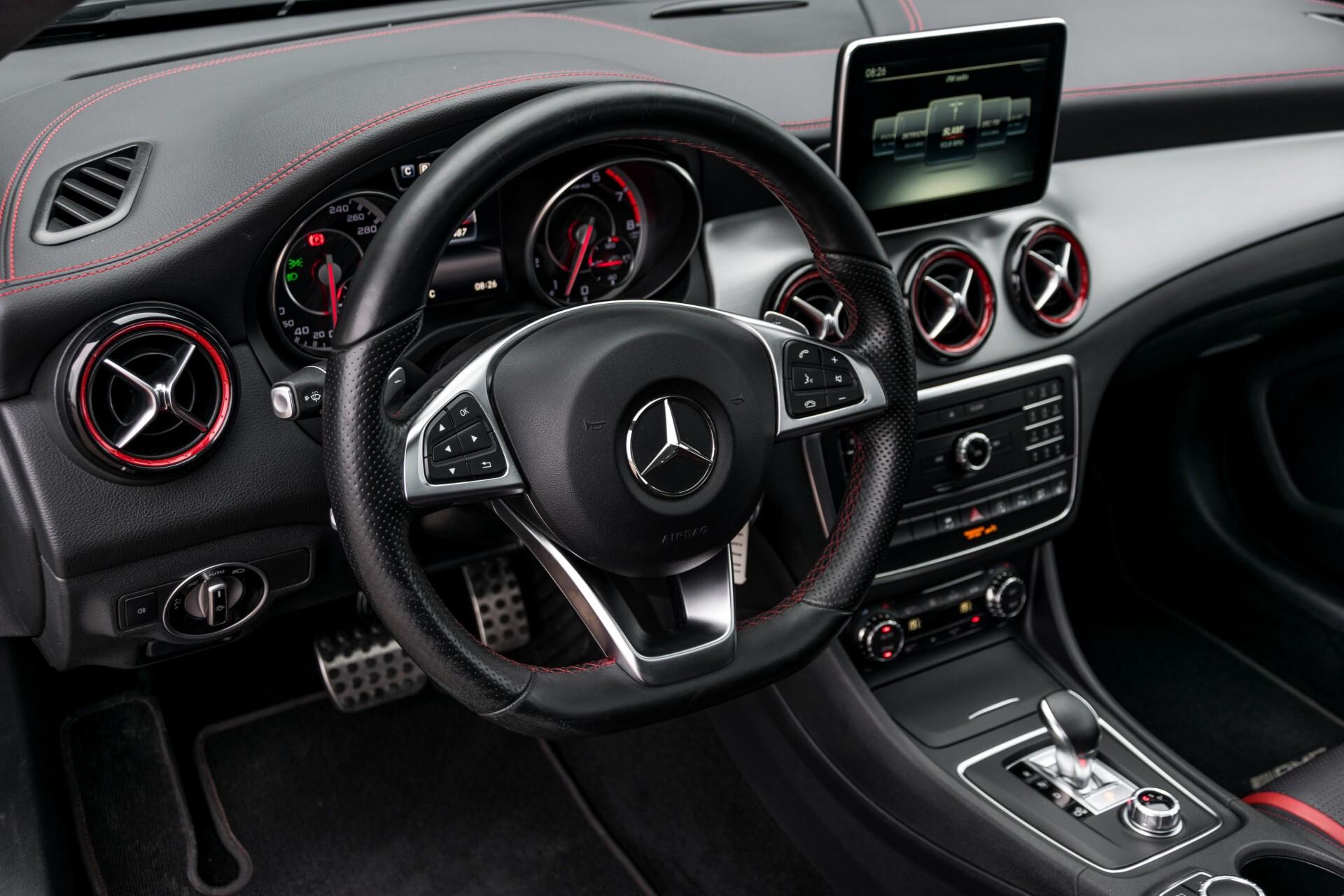 """Mercedes-Benz CLA-Klasse Shooting Brake 45 AMG 4-M Performance Stoelen/Uitlaat/19"""" velgen/Exclusive/Panorama Aut7 Foto 15"""