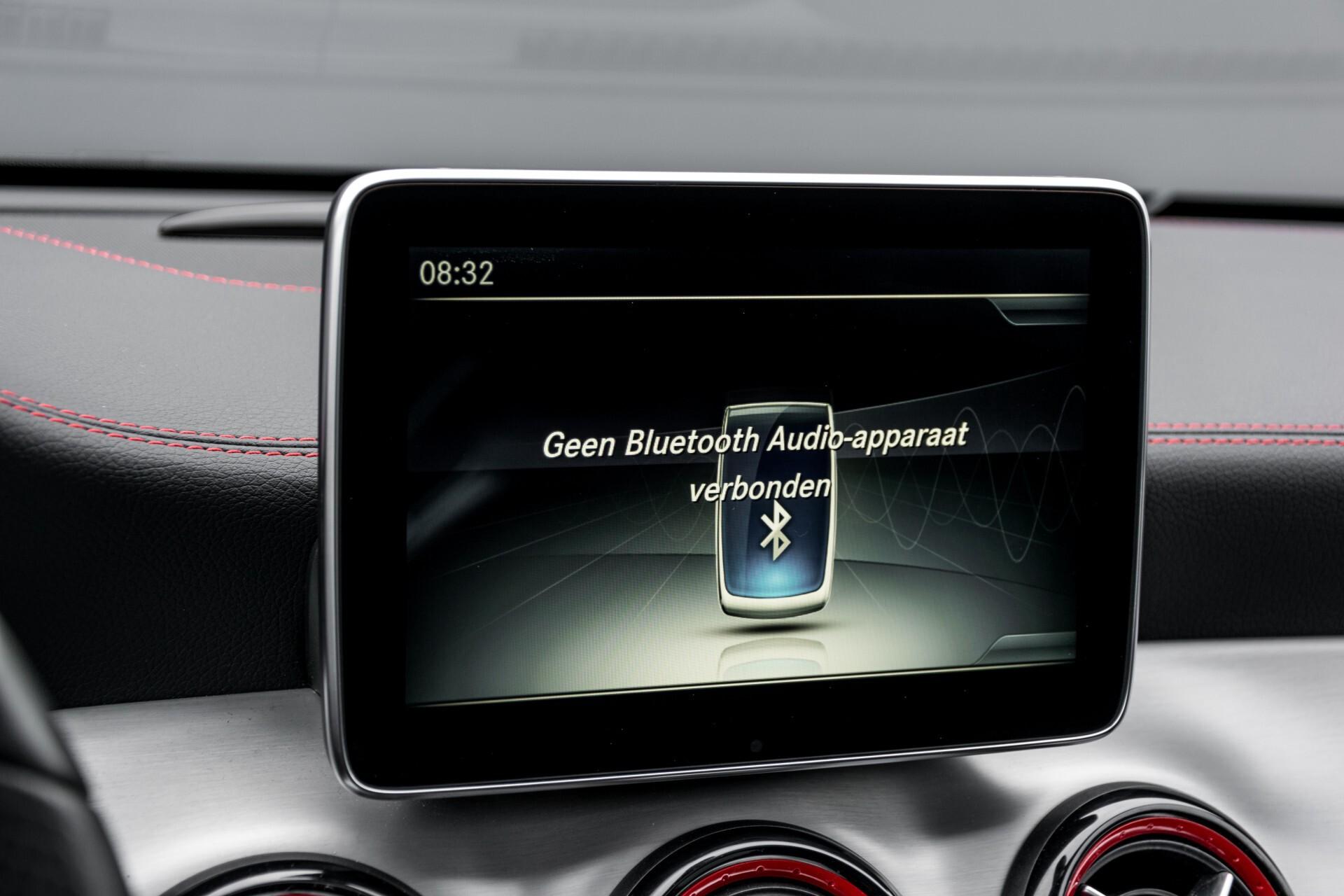 """Mercedes-Benz CLA-Klasse Shooting Brake 45 AMG 4-M Performance Stoelen/Uitlaat/19"""" velgen/Exclusive/Panorama Aut7 Foto 18"""