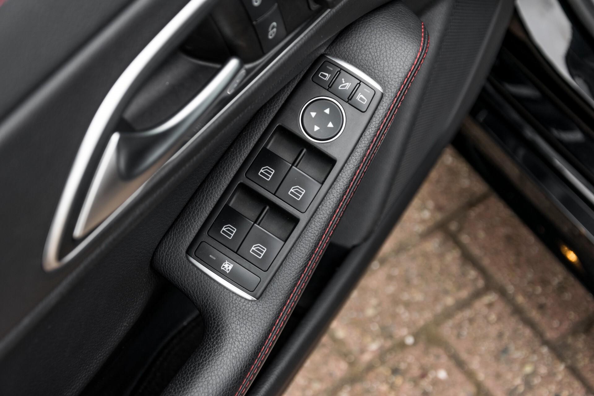 """Mercedes-Benz CLA-Klasse Shooting Brake 45 AMG 4-M Performance Stoelen/Uitlaat/19"""" velgen/Exclusive/Panorama Aut7 Foto 21"""