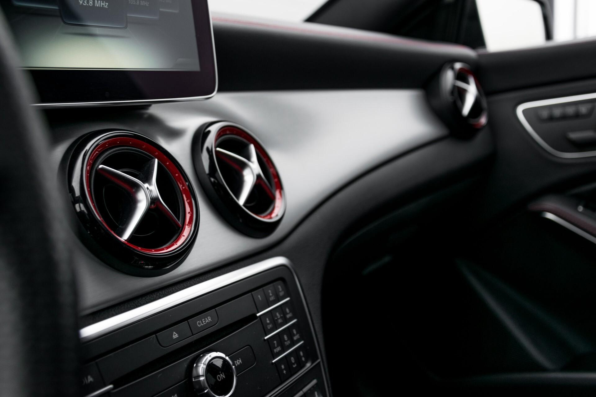 """Mercedes-Benz CLA-Klasse Shooting Brake 45 AMG 4-M Performance Stoelen/Uitlaat/19"""" velgen/Exclusive/Panorama Aut7 Foto 40"""