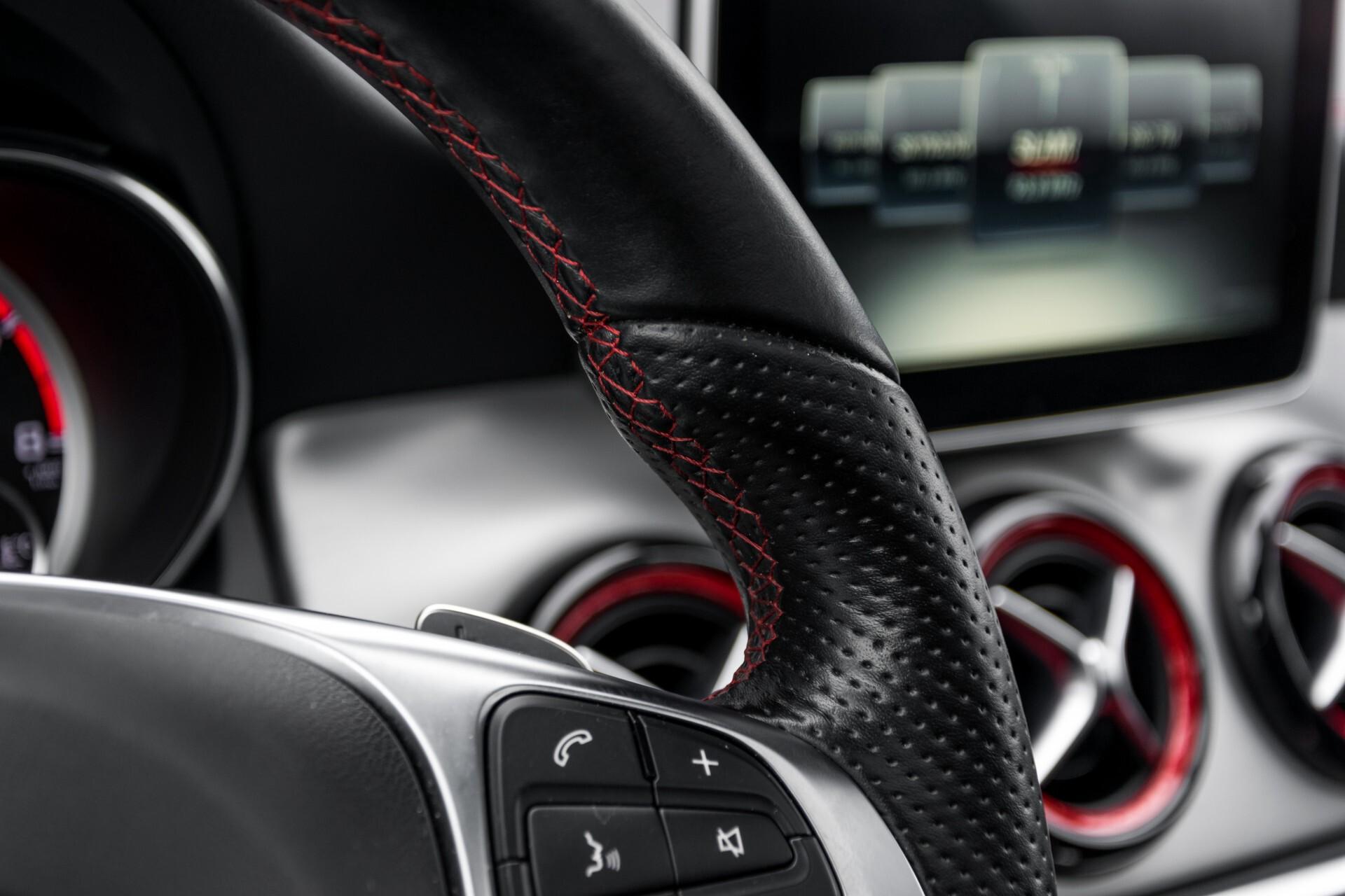 """Mercedes-Benz CLA-Klasse Shooting Brake 45 AMG 4-M Performance Stoelen/Uitlaat/19"""" velgen/Exclusive/Panorama Aut7 Foto 41"""