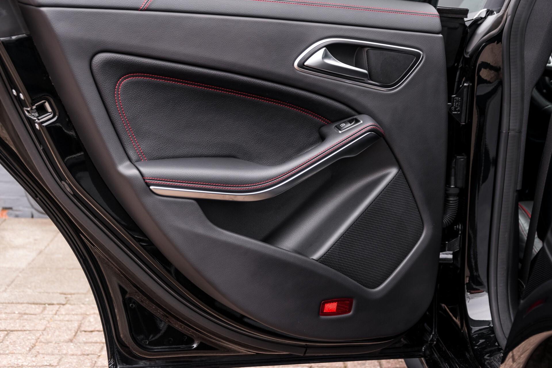 """Mercedes-Benz CLA-Klasse Shooting Brake 45 AMG 4-M Performance Stoelen/Uitlaat/19"""" velgen/Exclusive/Panorama Aut7 Foto 47"""