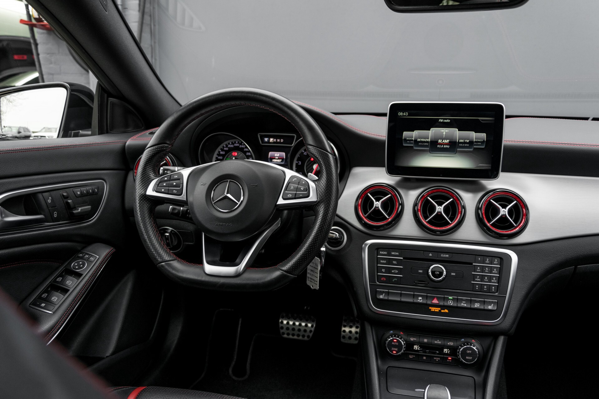 """Mercedes-Benz CLA-Klasse Shooting Brake 45 AMG 4-M Performance Stoelen/Uitlaat/19"""" velgen/Exclusive/Panorama Aut7 Foto 6"""